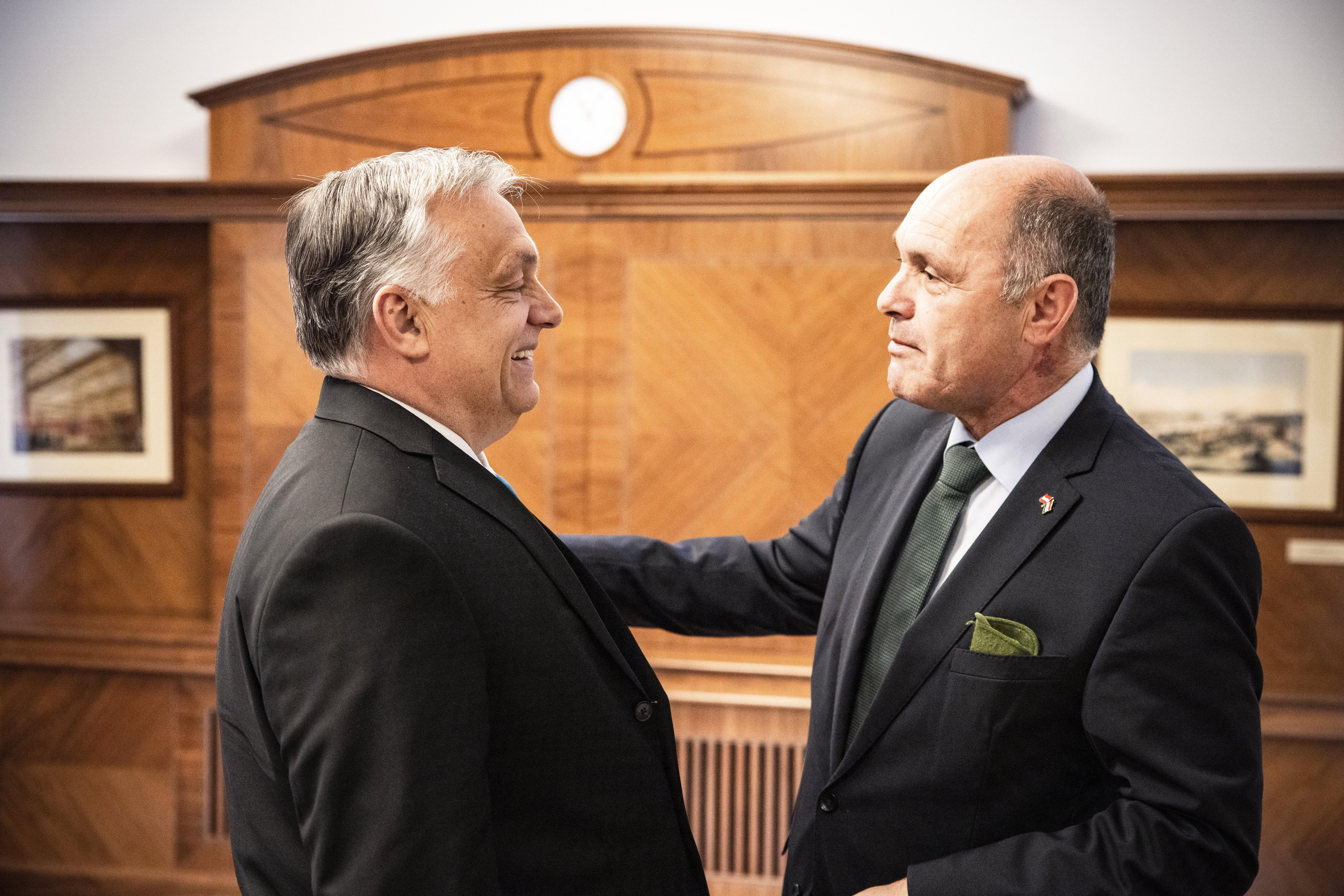 Orbán a Karmelitában győzködte Wolfgang Sobotkát, hogy az osztrákok fogadják el a magyar védettségi igazolványt