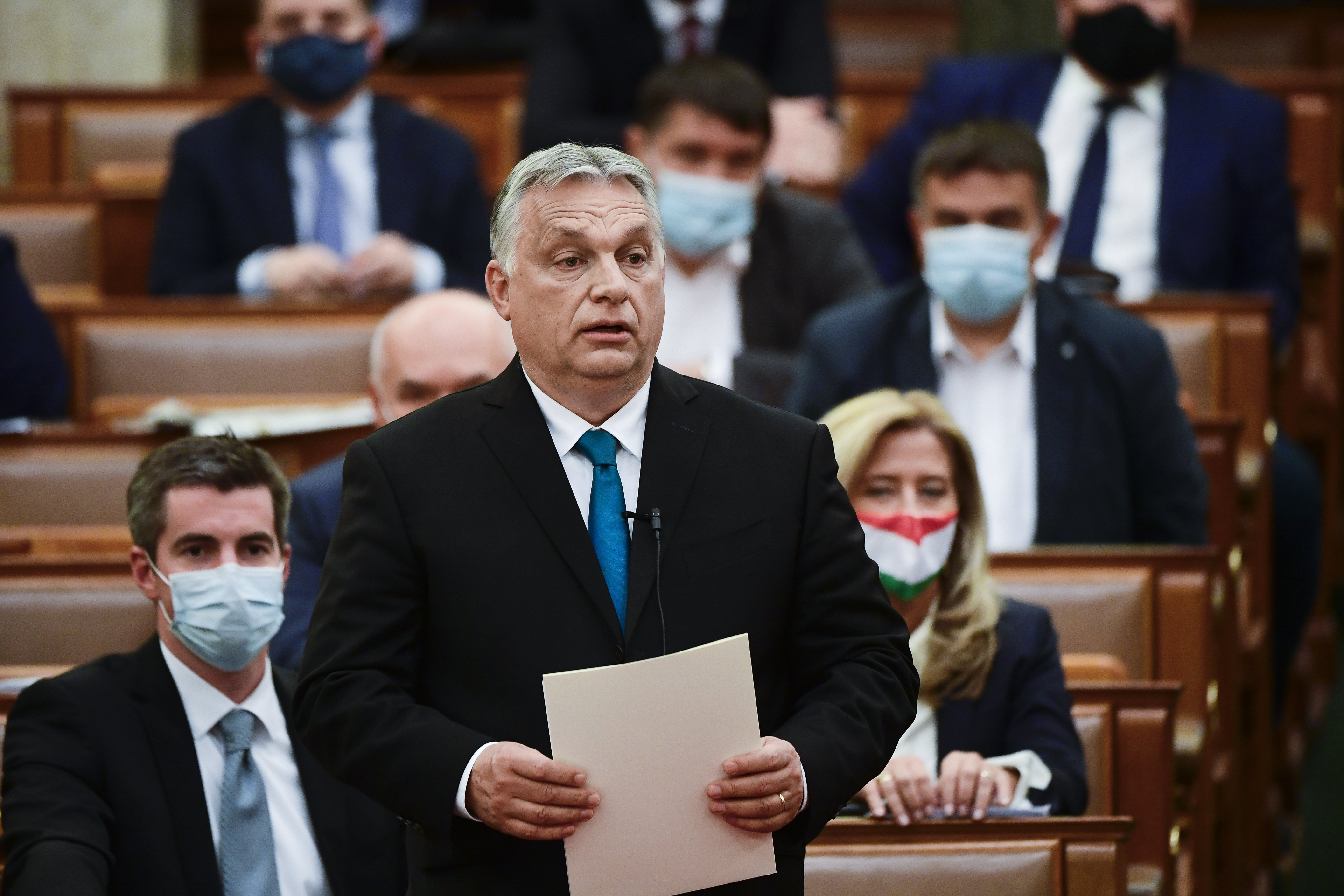 Orbán az ellenzéknek: Nem fognak tőlem megszabadulni, itt fogok maradni még sokáig az önök nyakán
