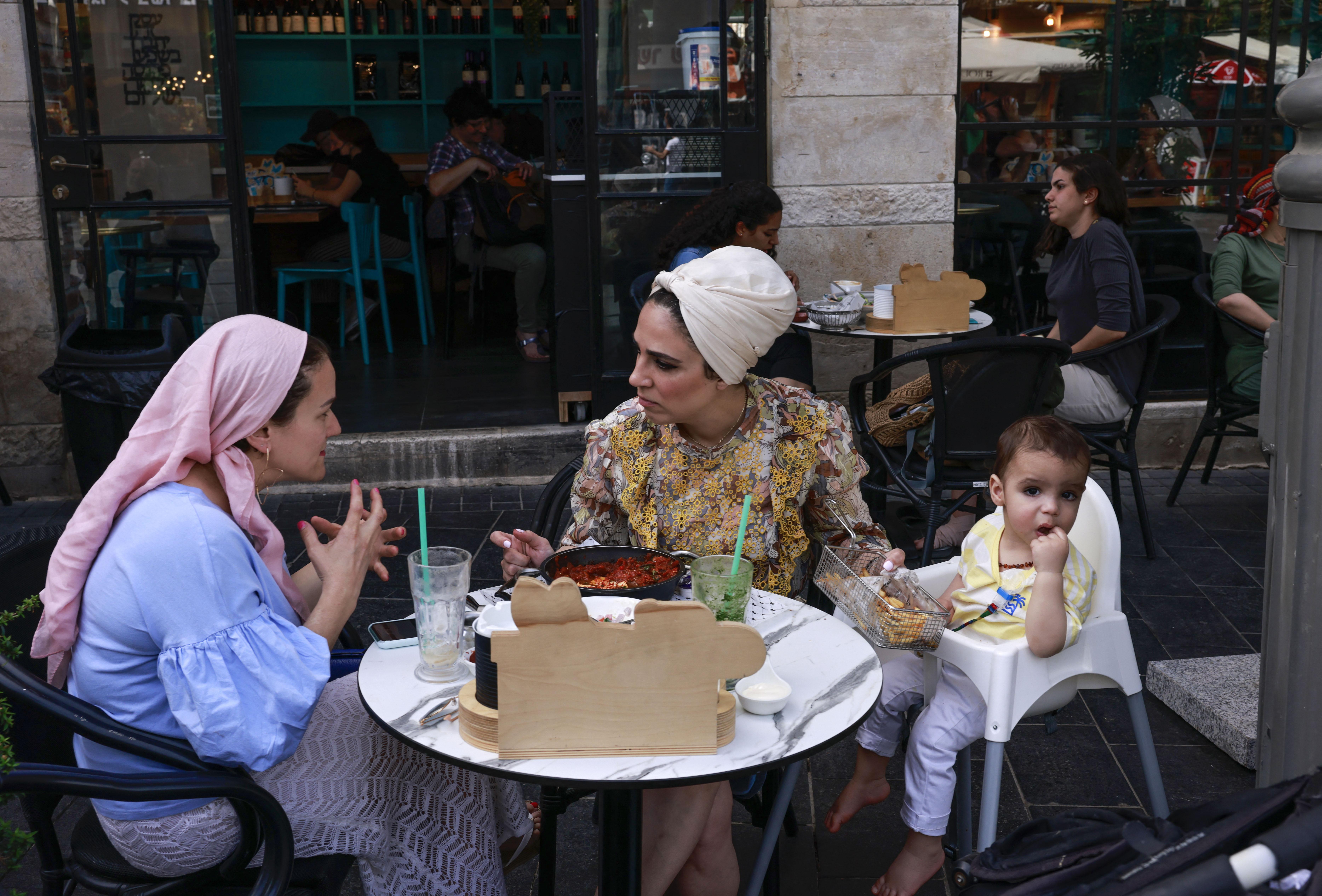 Többé semmiben sem korlátozzák azokat Izraelben, akik nincsenek beoltva a koronavírus ellen