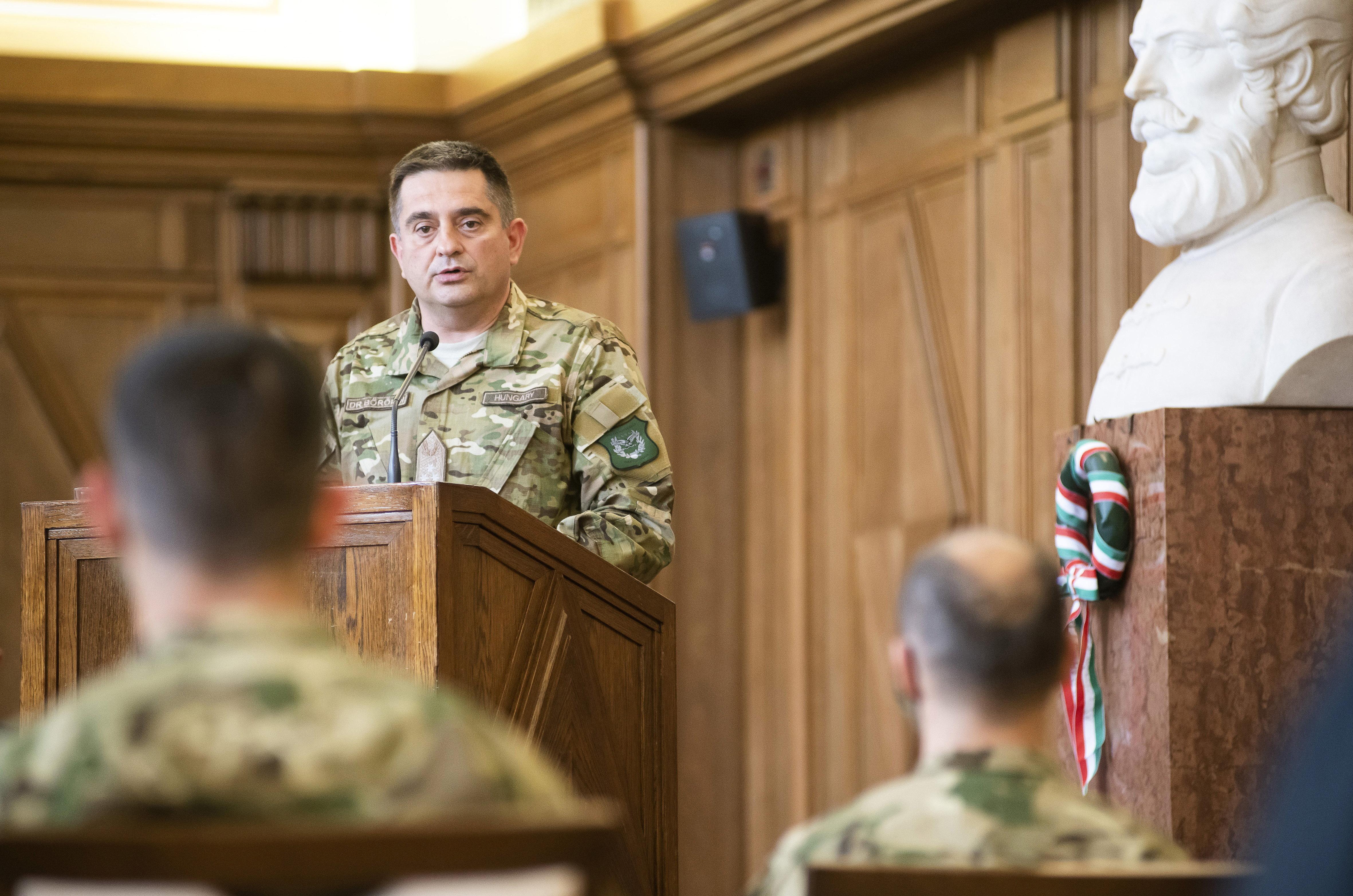 A Honvédség parancsokhelyettesét is leváltják