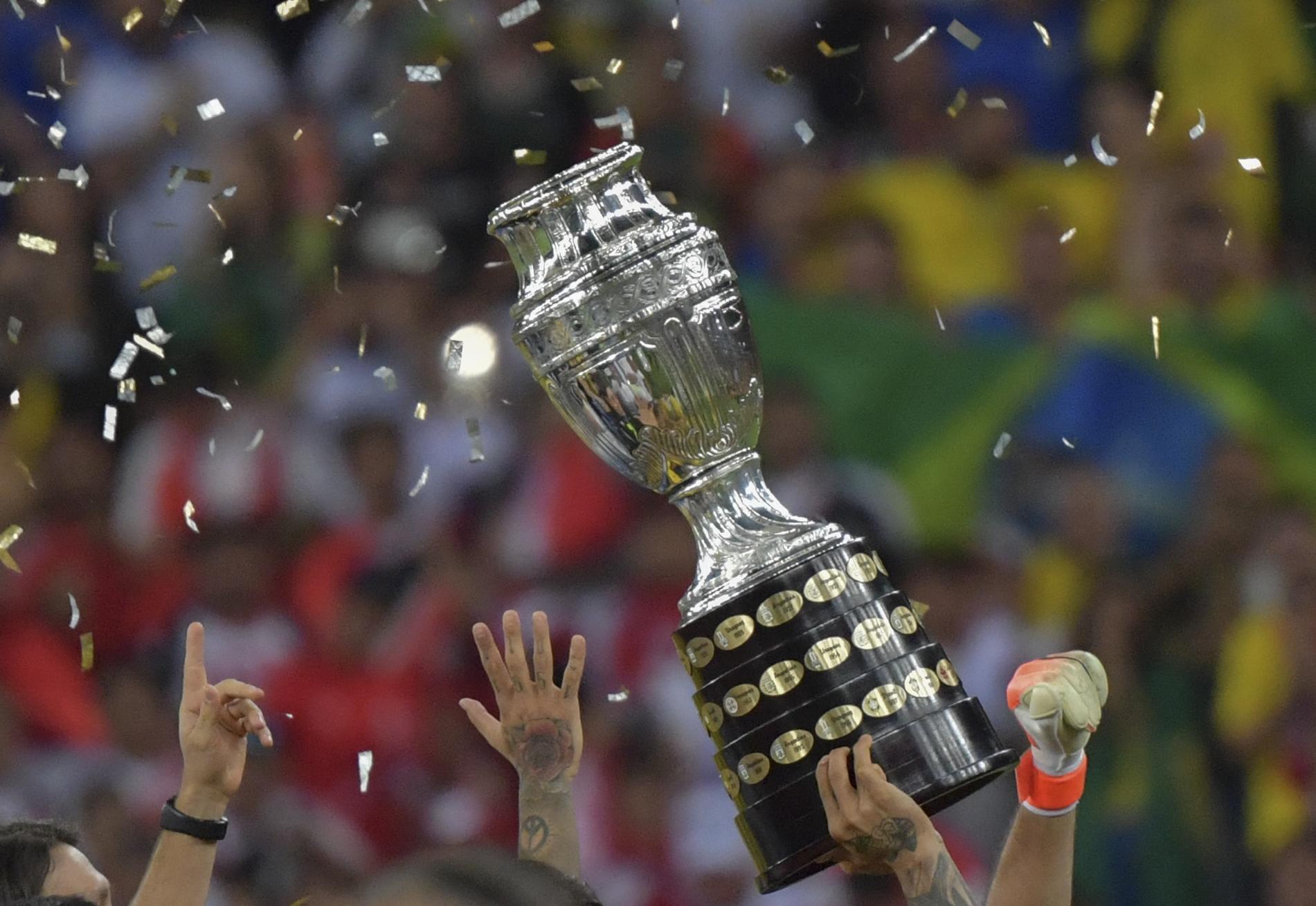 """""""Sajnálom a halottakat, de élni kell"""": a brazil elnök kitart a Copa América megrendezése mellett"""