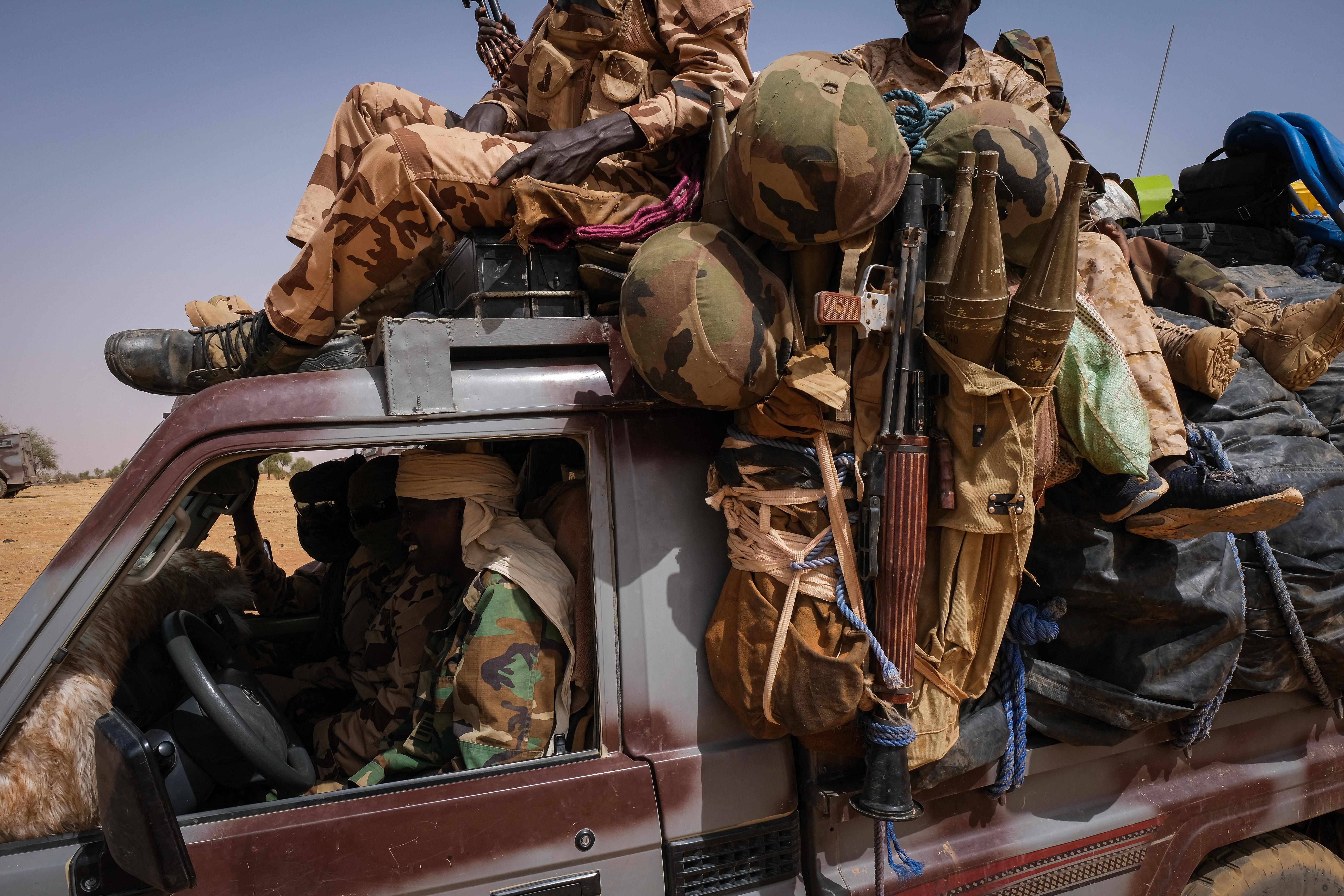 Legalább 138 embert gyilkoltak le fegyveresek Burkina Fasóban