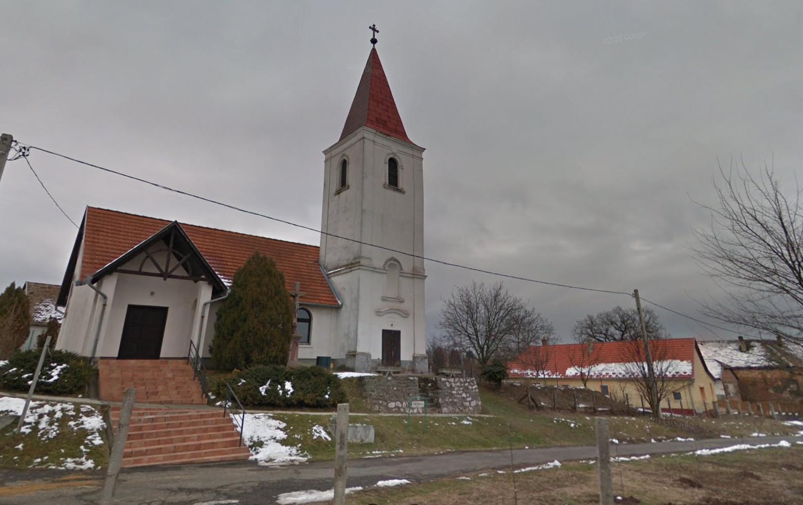 Egy csapat tizenéves betört egy Baranya megyei templomba és több mint egymillió forint kárt okoztak