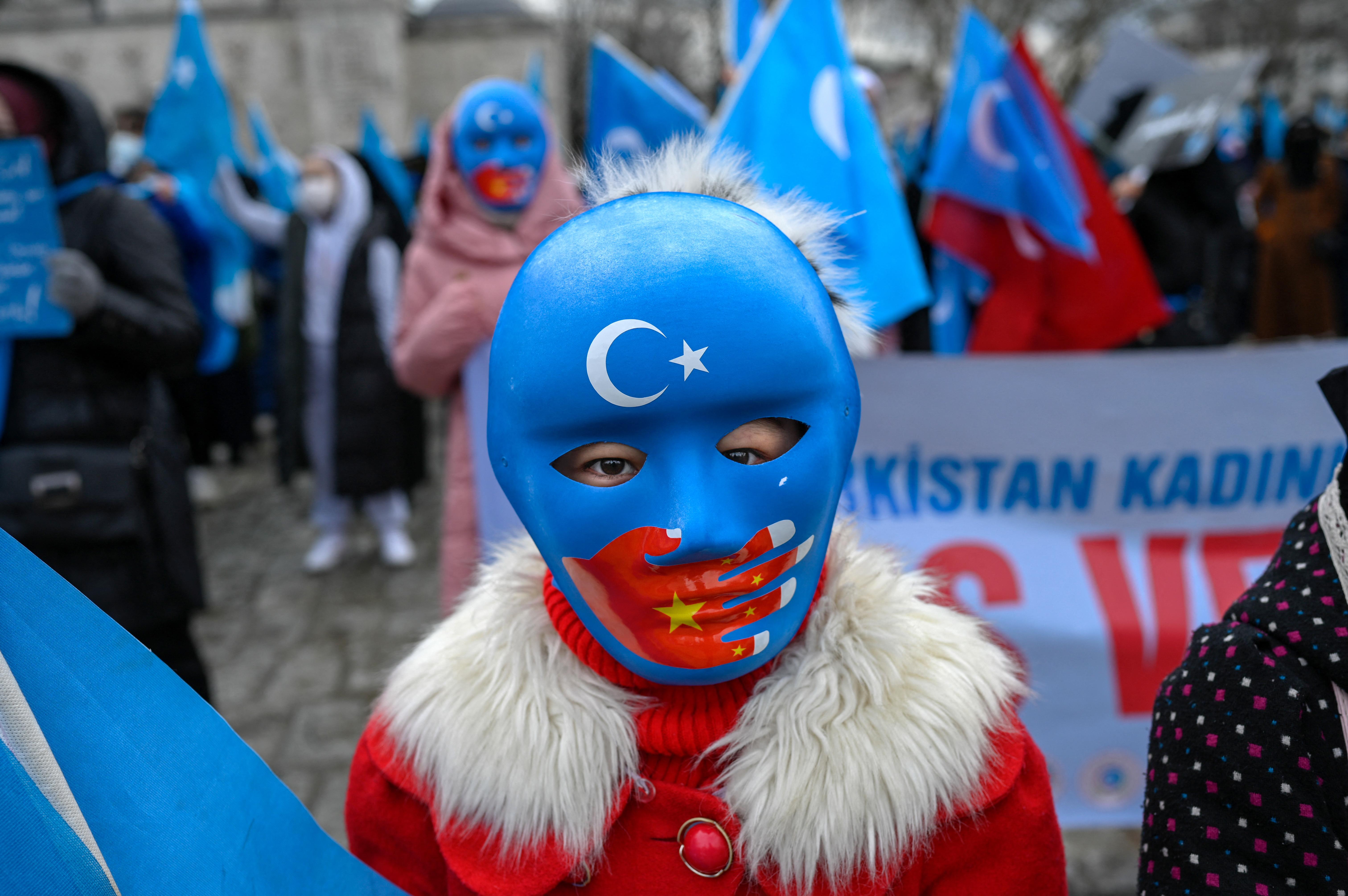 Egy jelentés szerint Kína arra játszik, hogy lecsökkentse az ujgur születések számát