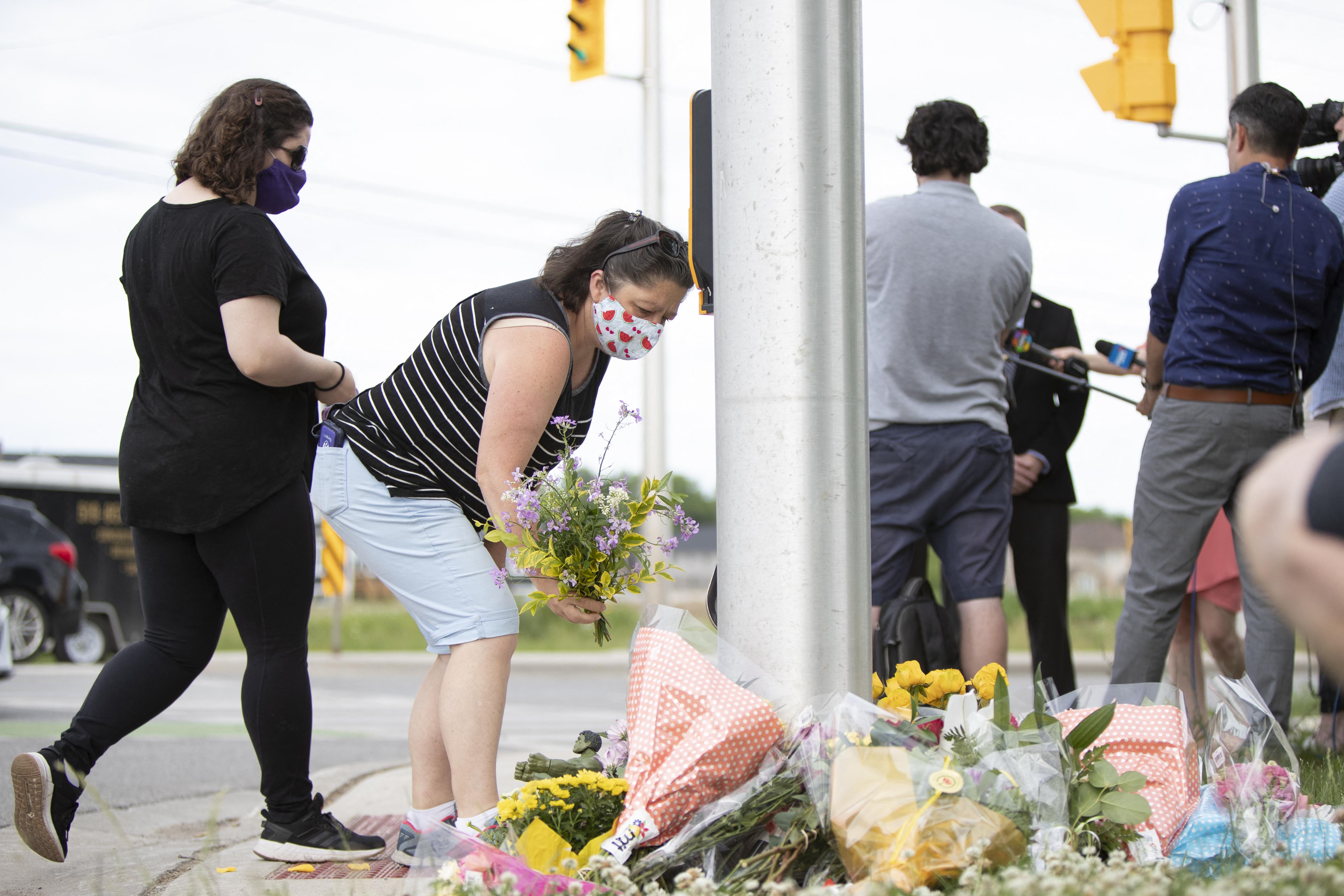 Szándékosan gázoltak el furgonnal egy muszlim családot Kanadában, négy ember meghalt