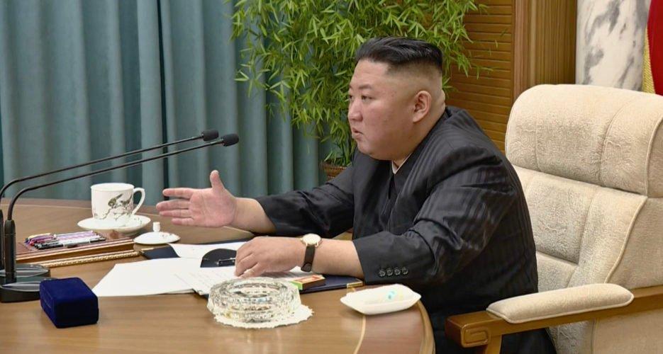 """Kim Dzsongun nyilvánosan is beismerte, hogy """"elég feszült"""" az élelmiszerhelyzet Észak-Koreában"""