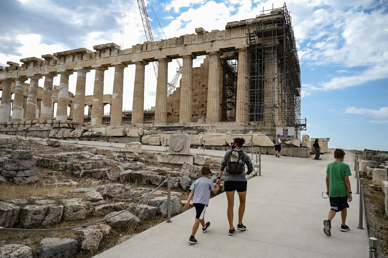 Görögországban csak az oltottak mehetnek be az éttermekbe és kulturális rendezvényekre
