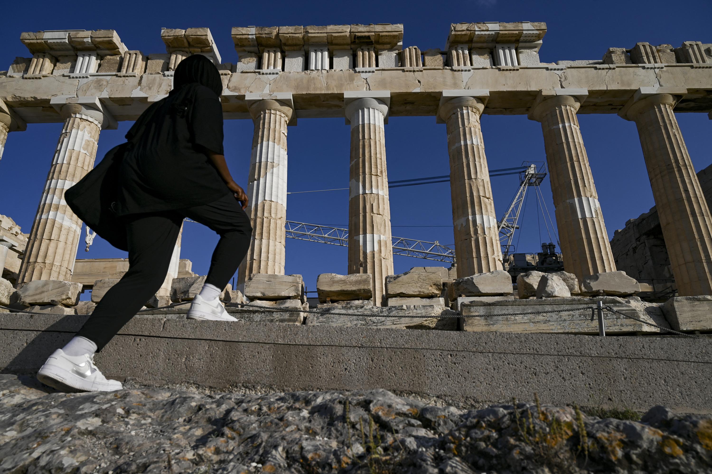 Betonutat építettek az Akropoliszra, nem mindenki boldog