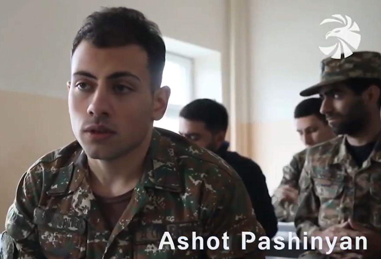 A saját fiával váltaná ki a hadifoglyokat az örmény miniszterelnök