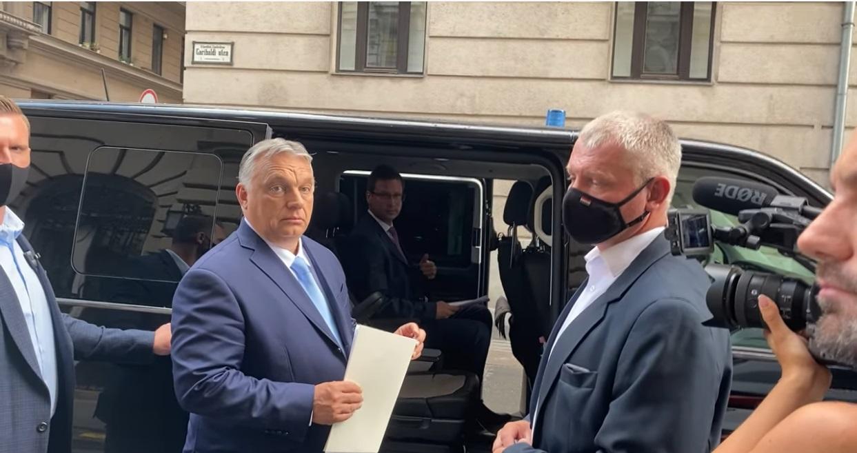 Orbán a pápára bízza, mit kell gondolni a Kínában zajló keresztényüldözésről
