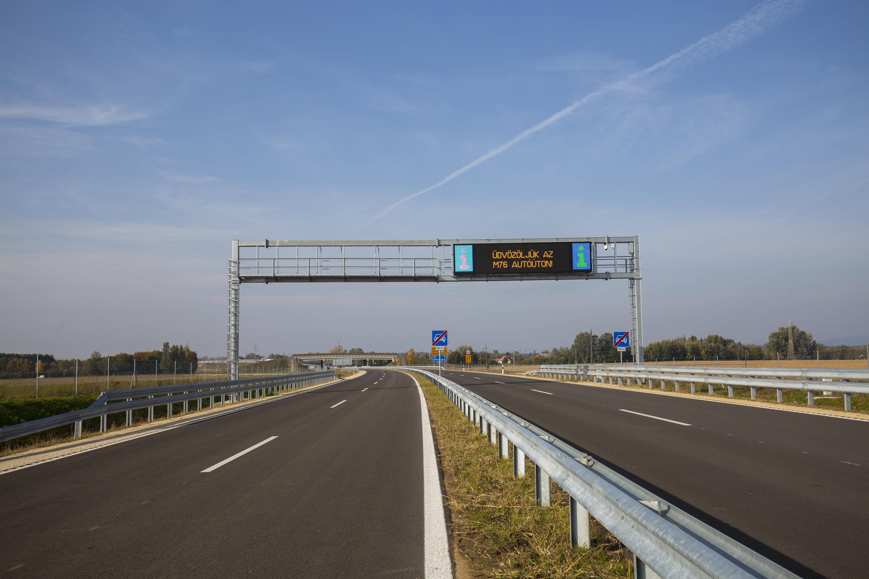A 24.hu azt pedzegeti, hogy kínai cégekhez kerülhet az autópálya koncesszió