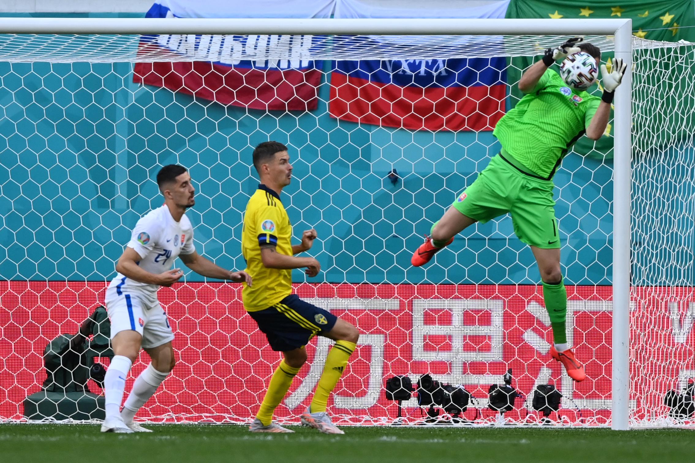 Miért van tele az Európa-bajnokság kínai reklámokkal?