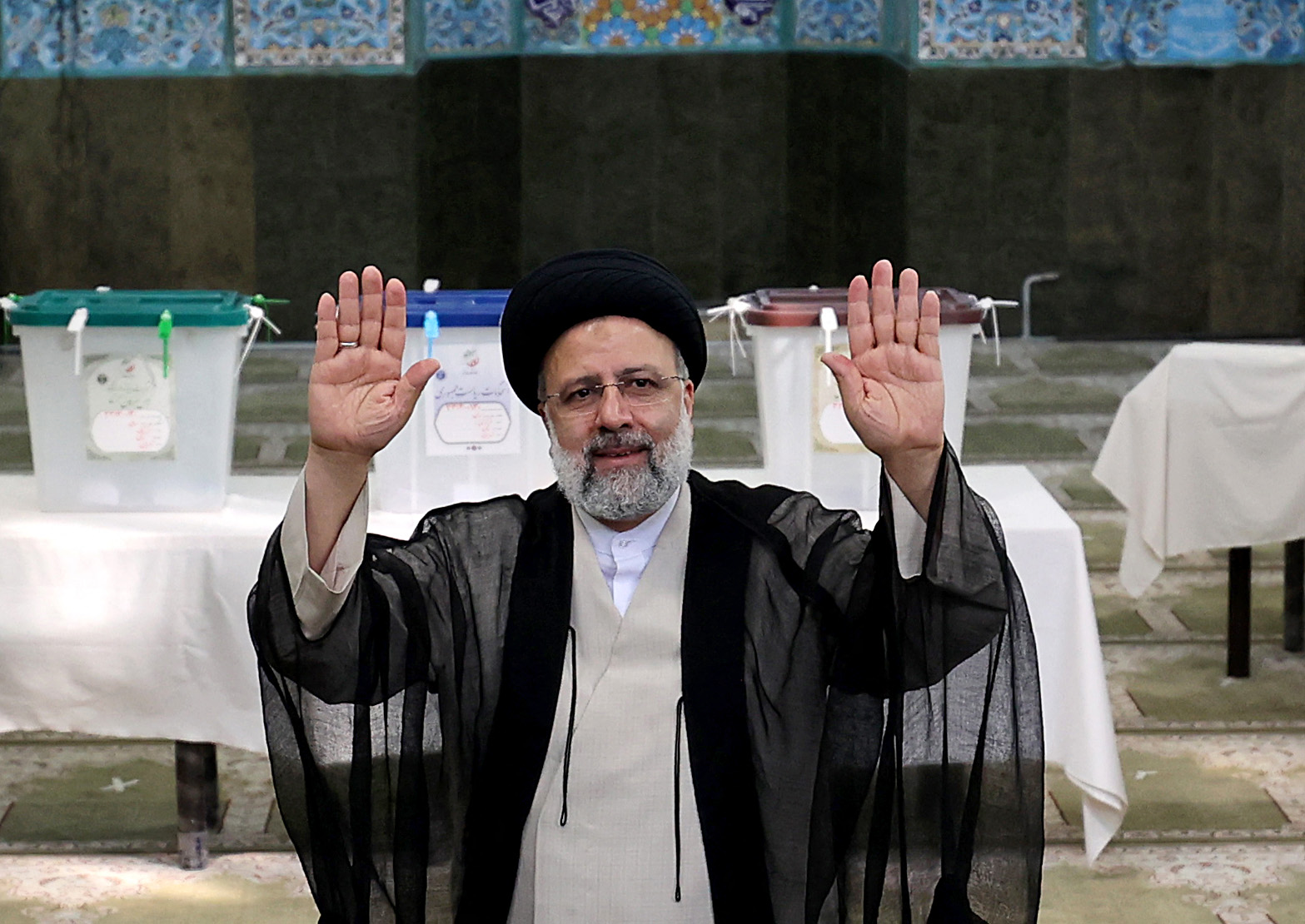 Az ultrakonzervatív Ebrahim Raiszi lesz Irán új elnöke