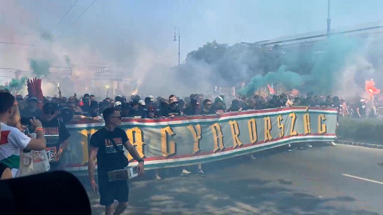 Elindultak a magyar szurkolók a franciák elleni meccsre