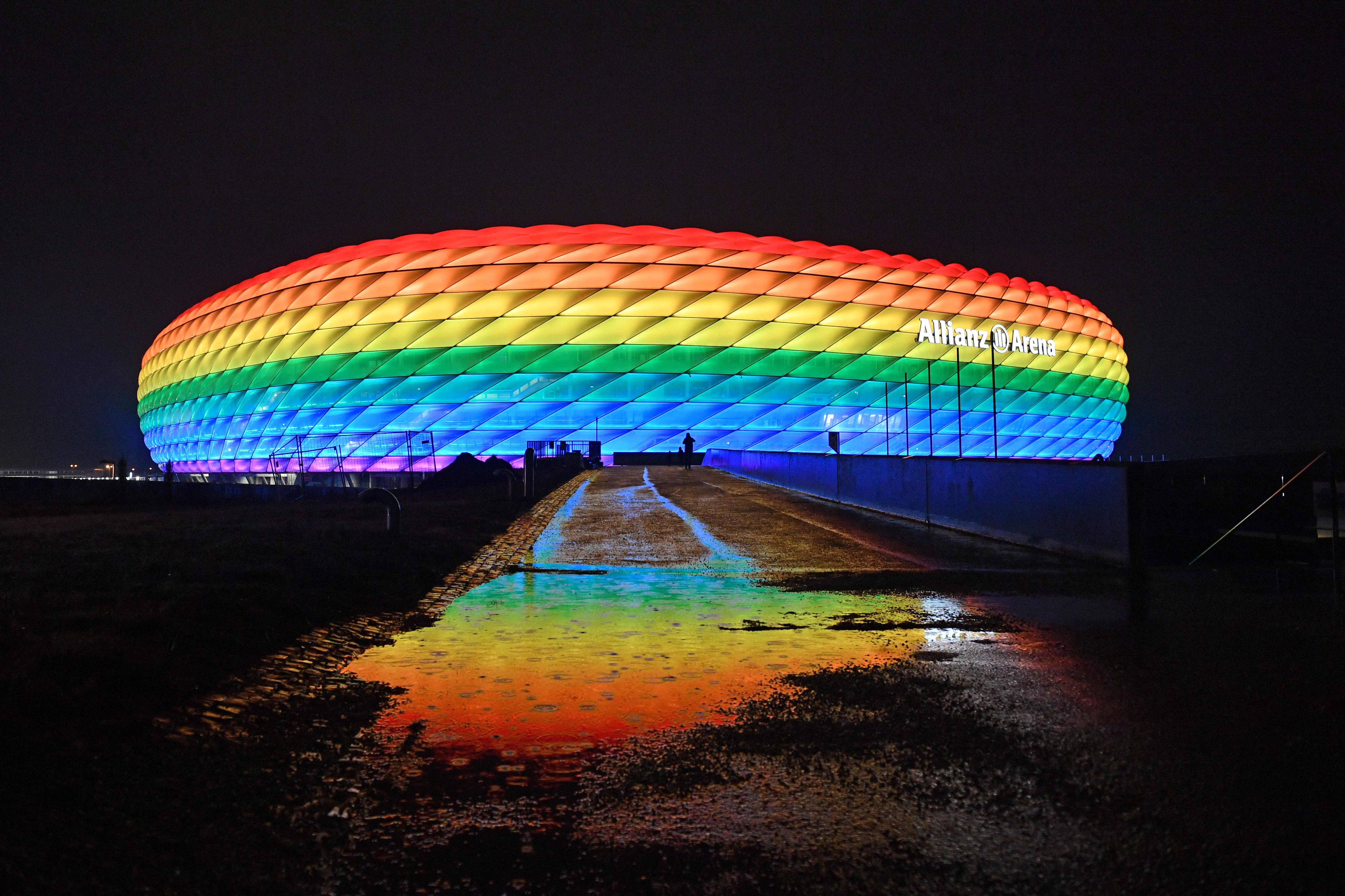 A müncheni városvezetés is szeretné, ha szivárványos stadionban fogadnák a magyar válogatottat