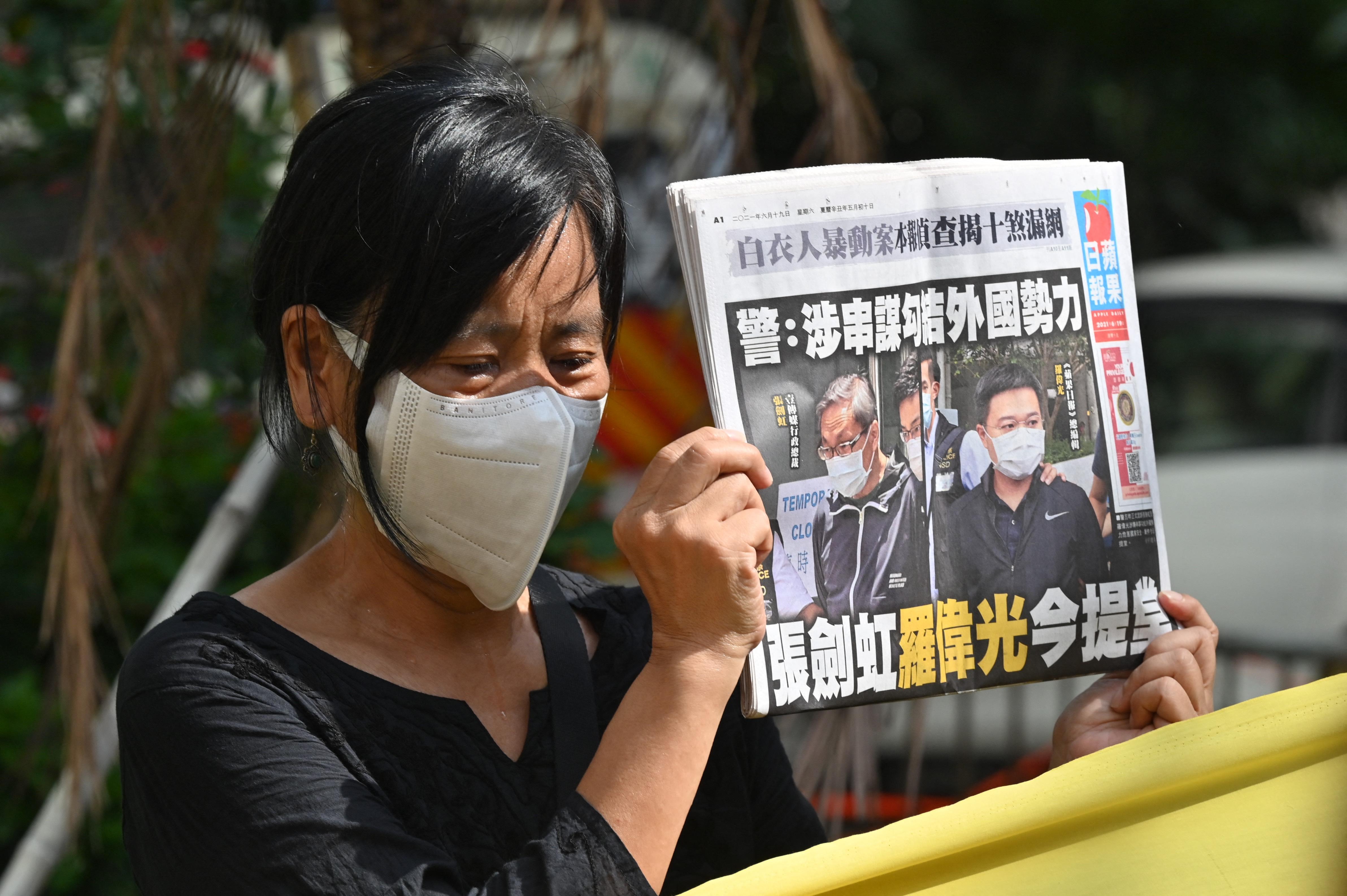 Megszűnik a legnagyobb demokráciapárti hongkongi újság