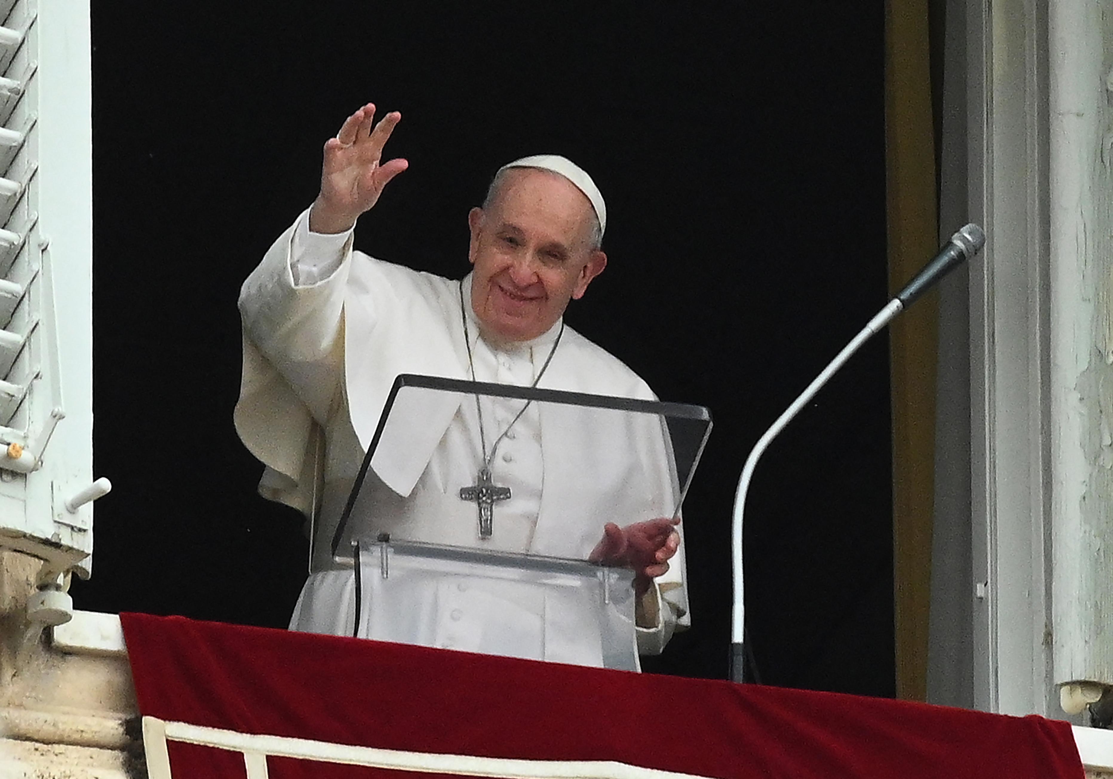 Ferenc pápa: Meg kell nyitni a szíveket a menekültek előtt