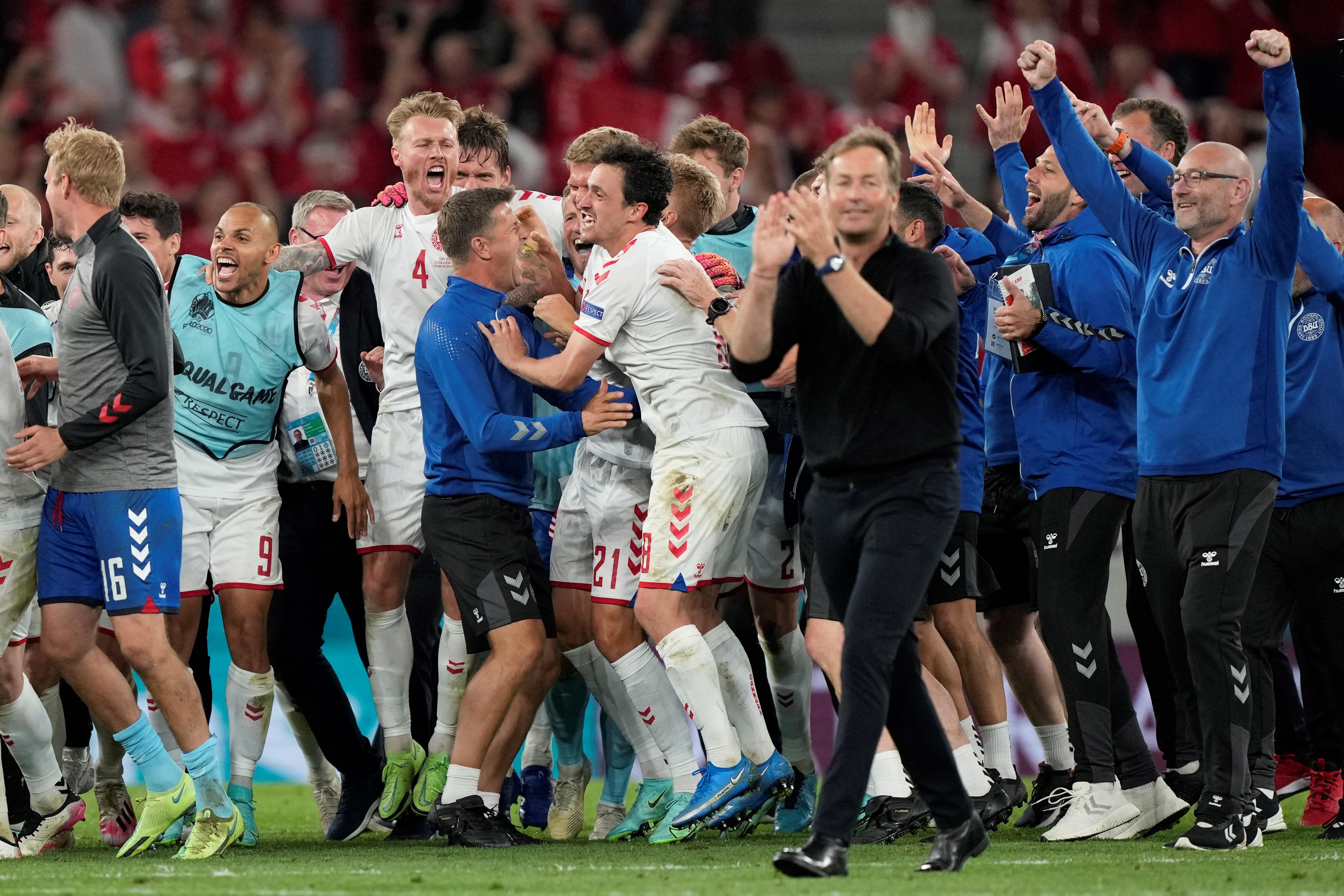 Dánia visszajött a mélyből, és ott van a legjobb 16 között