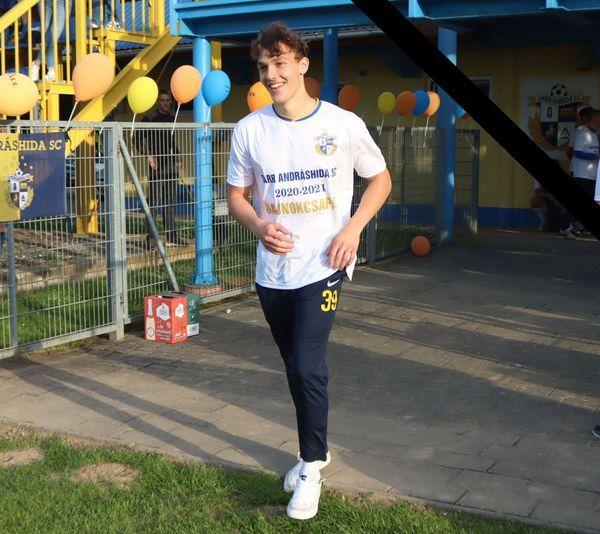 Edzés közben, a pályán esett össze holtan egy fiatal magyar focista