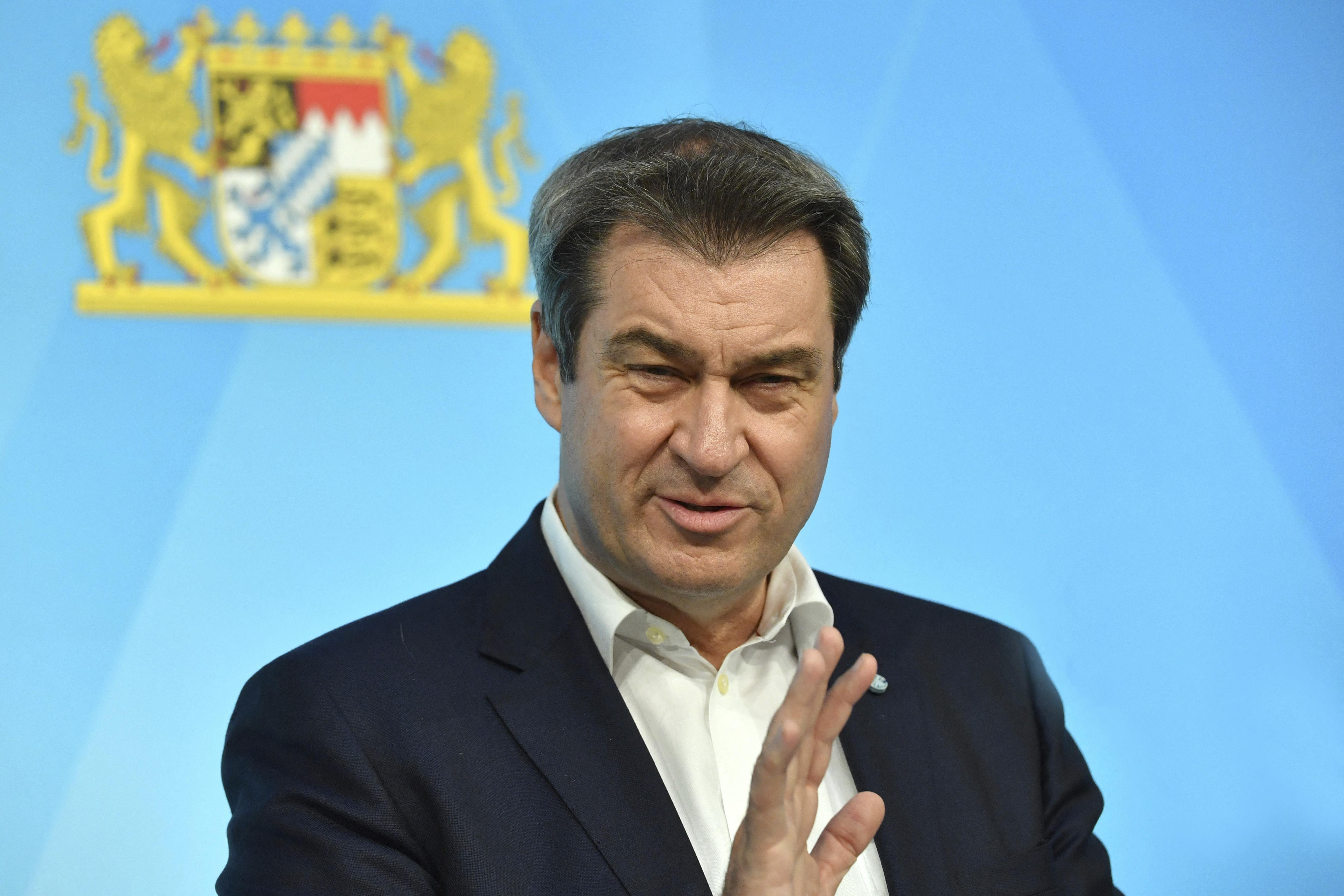 A kereszténydemokrata bajor miniszterelnök sajnálja, hogy nem lesz szivárványos a stadion a szerdai meccs alatt
