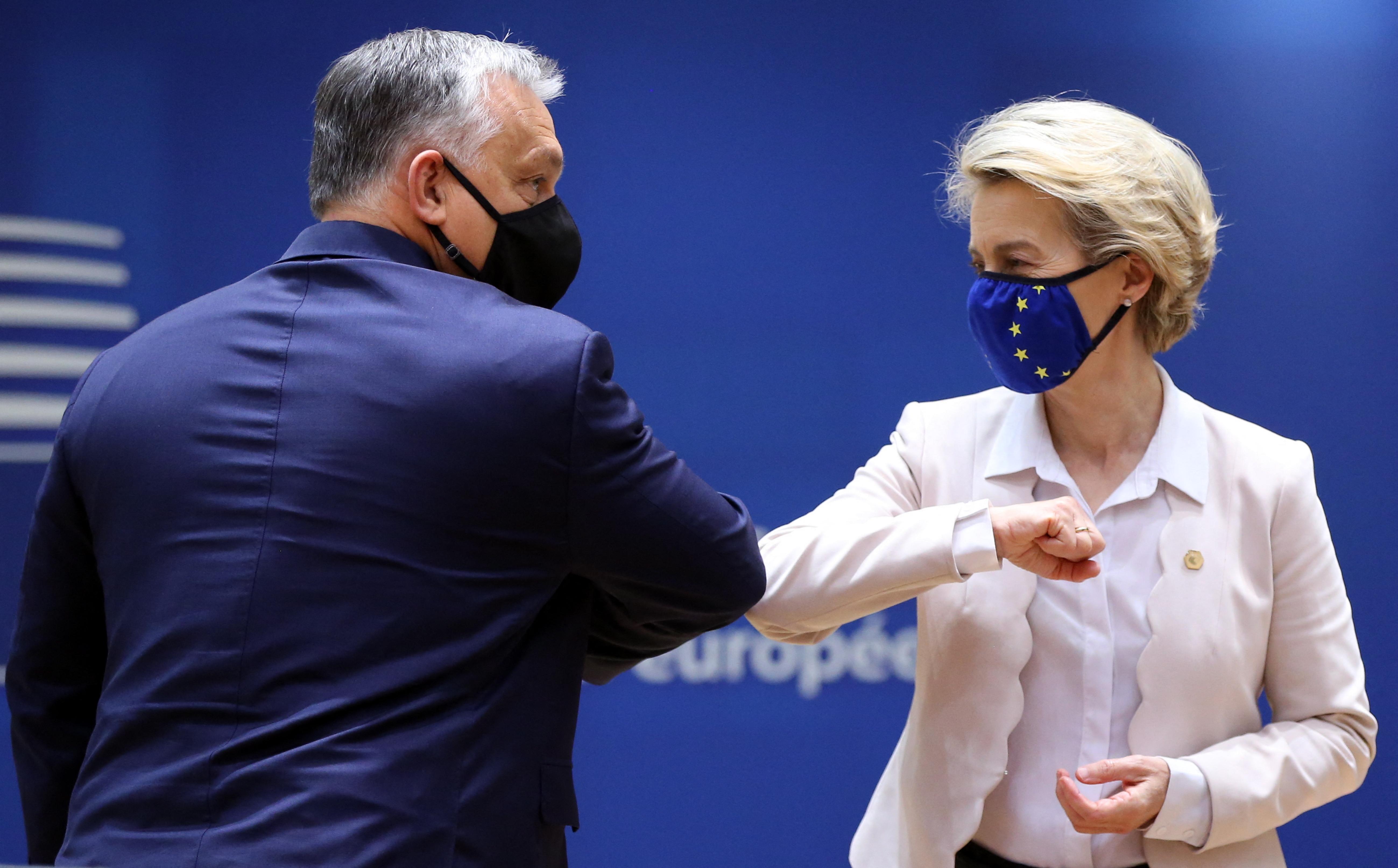 Orbán szégyenteljesnek tartja, hogy az Európai Bizottság elnöke szégyennek tartja a melegeket érintő törvénymódosításokat