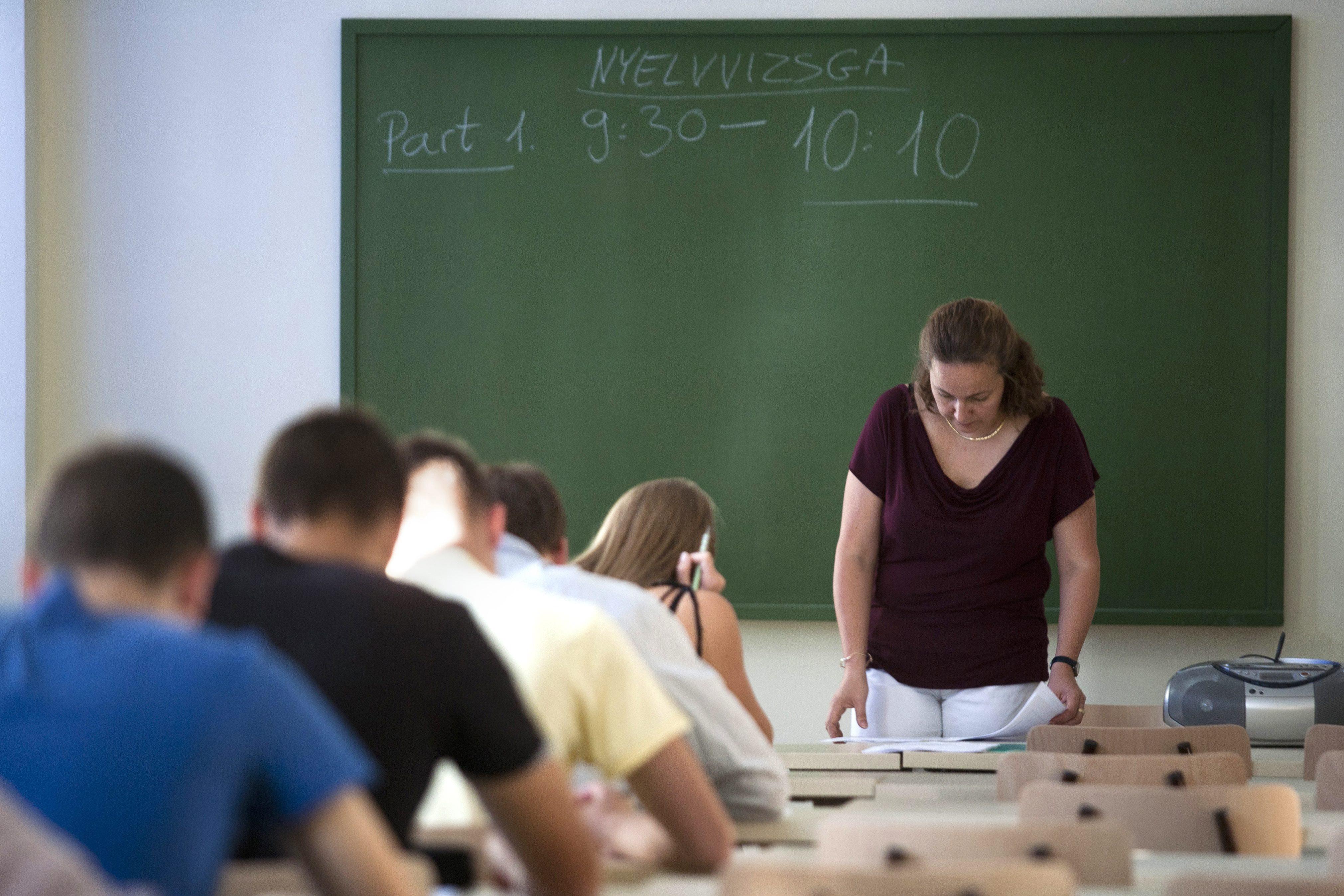 A végletesen elavult oktatási módszerek és a motiváció hiánya miatt nem beszélnek a magyarok idegen nyelveket