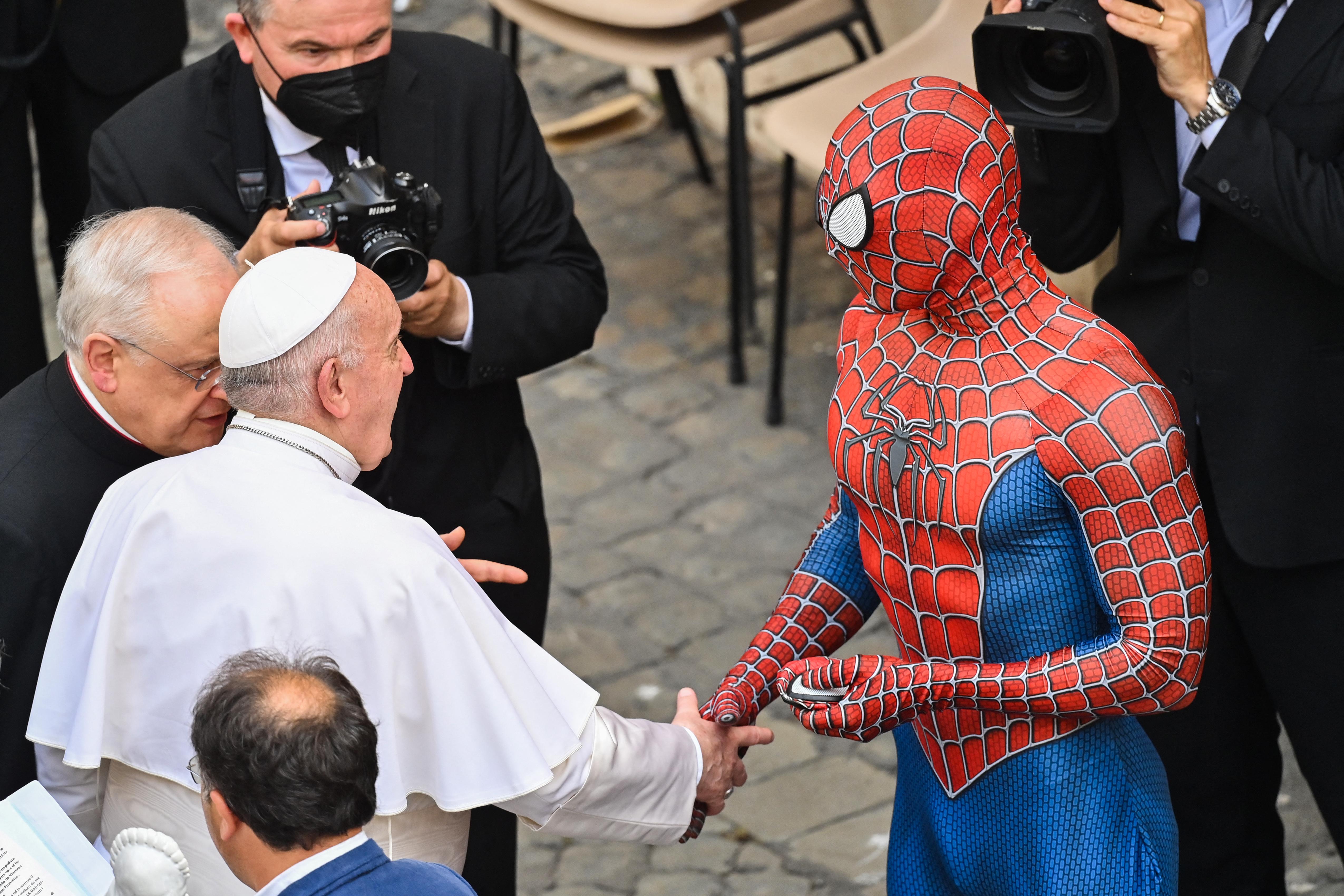 Ferenc pápa találkozott a Pókemberrel