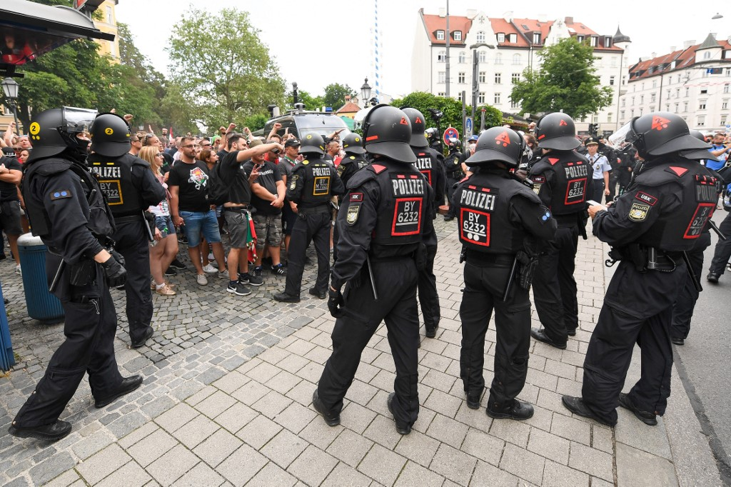18 magyar szurkolót állítottak elő Münchenben