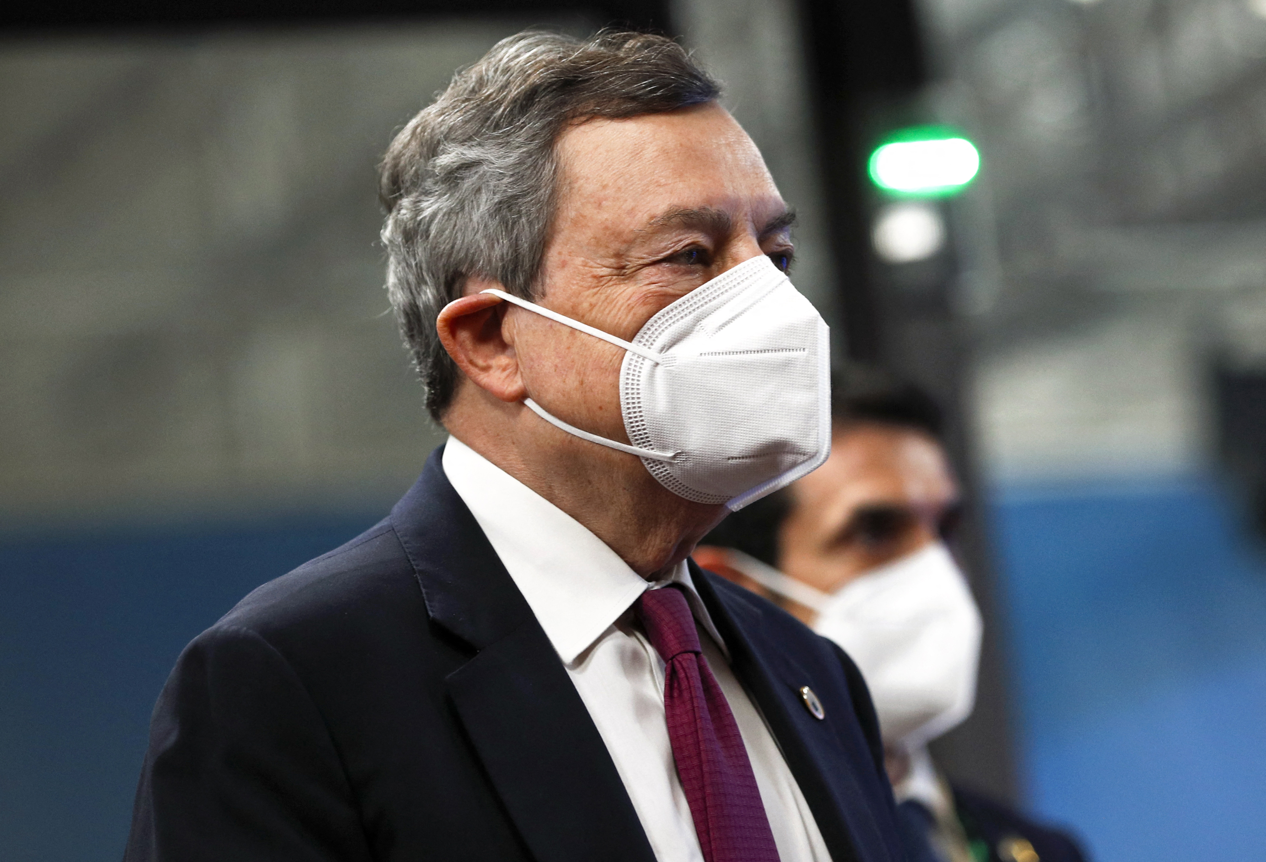 Kötelezővé tenné a koronavírus elleni oltást az olasz miniszterelnök
