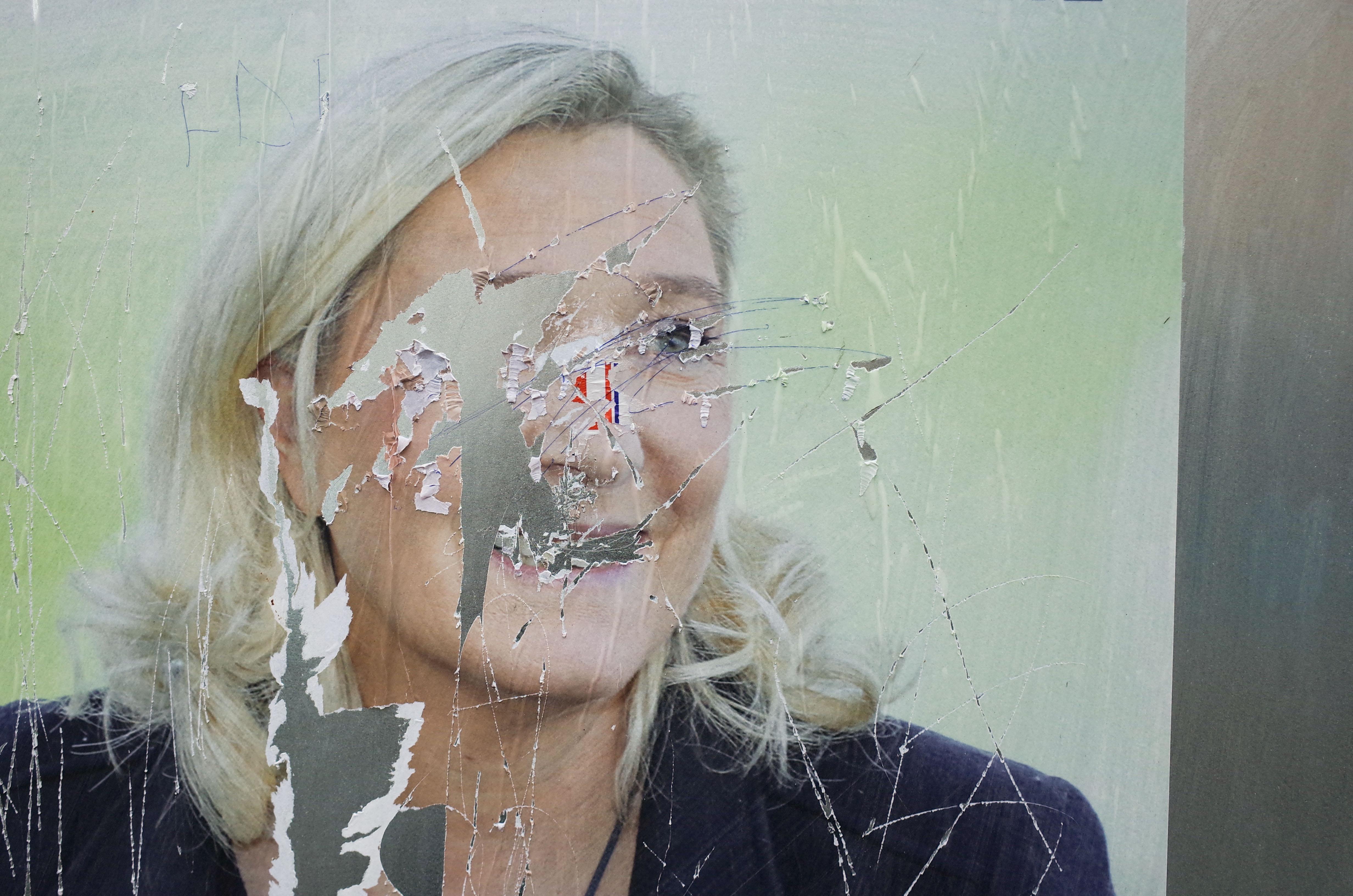 Nagyot bukott Le Pen a francia regionális választásokon