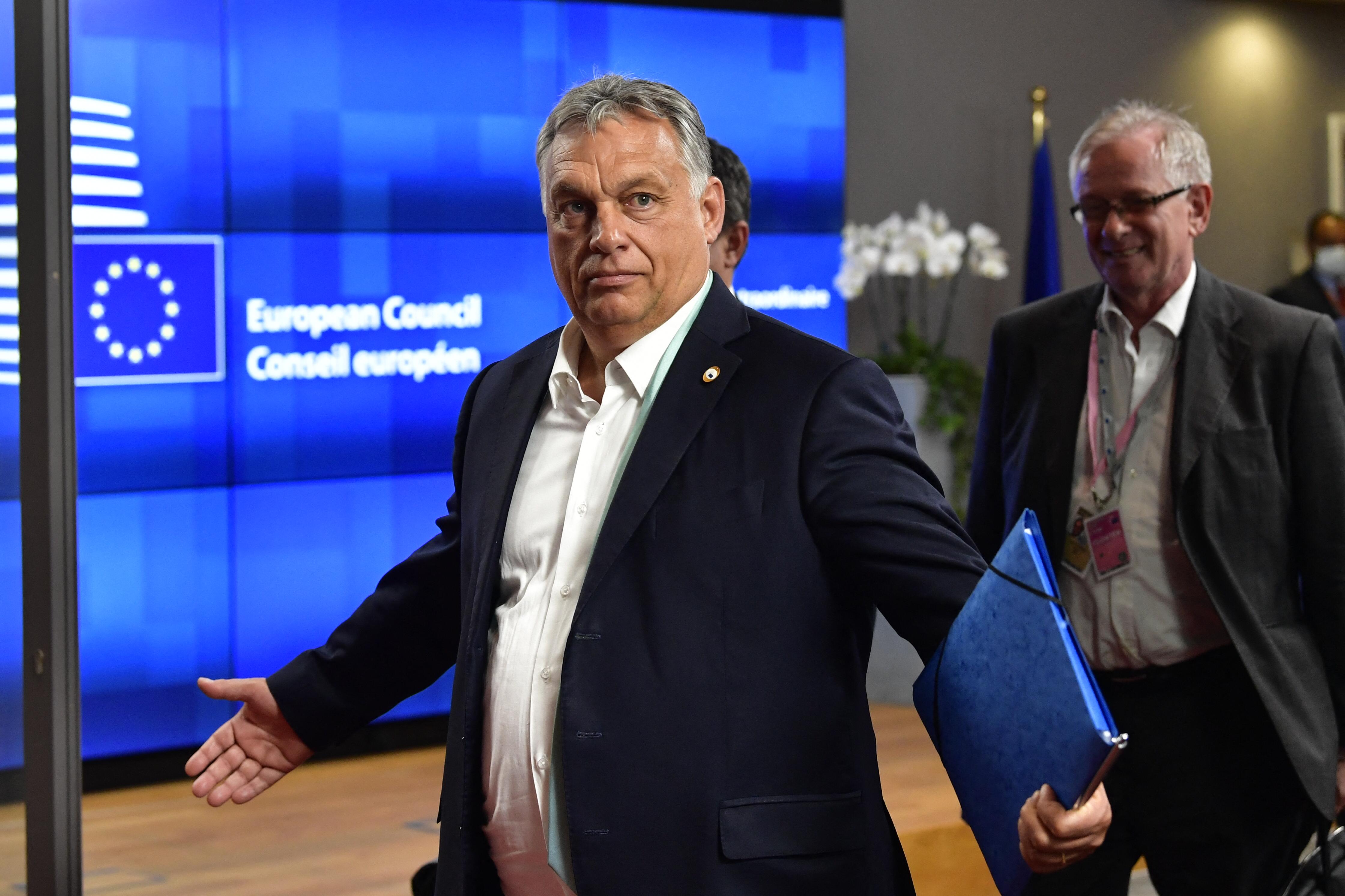 Durvul a kampány: az ellenzéki pártok miniszterelnök-jelöltjei közös levelet írtak az uniós vezetőknek Orbán miatt
