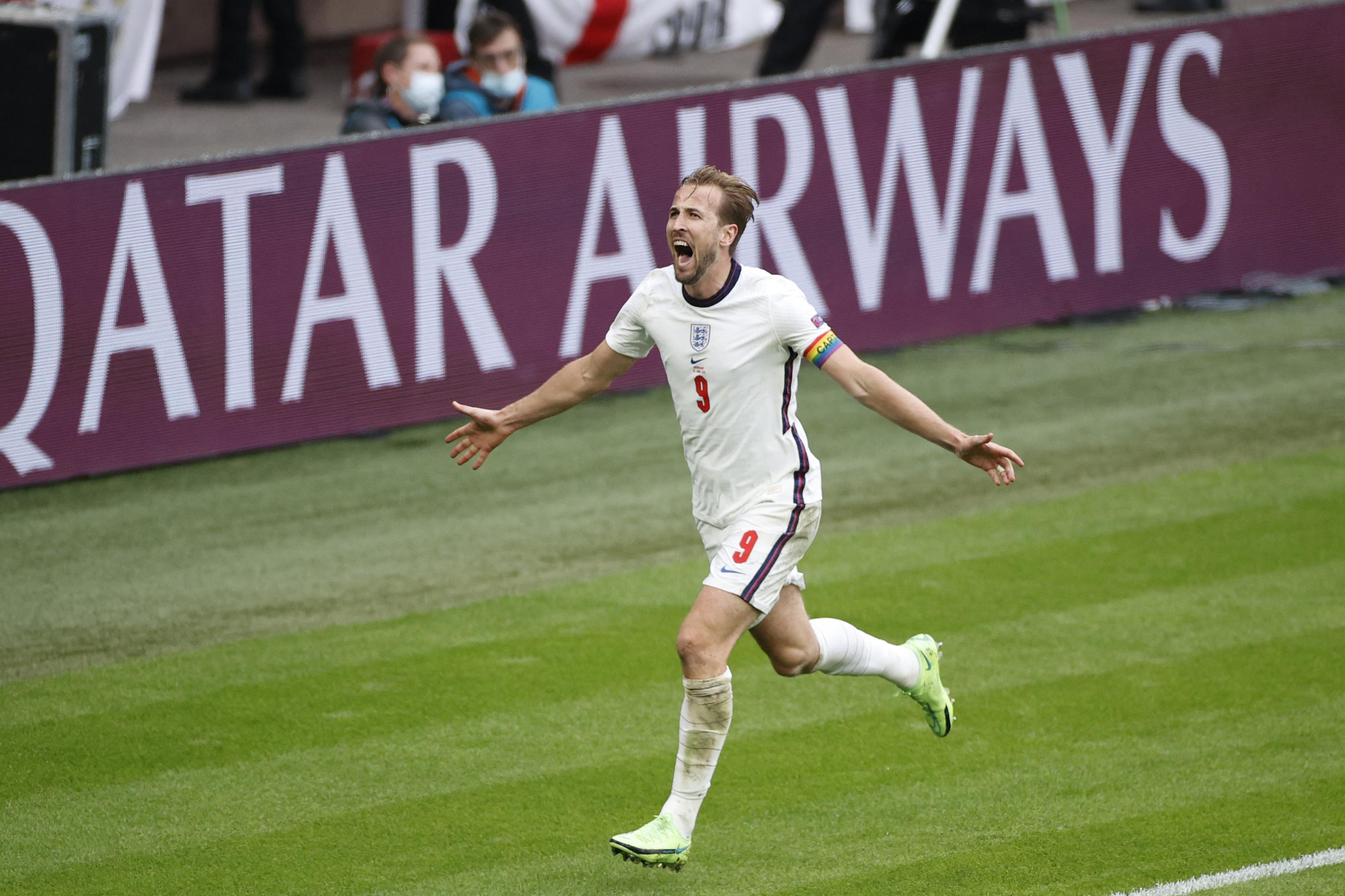 Hangrobbanás a Wembley-ben, Anglia 2-0-ra kiütötte Németországot