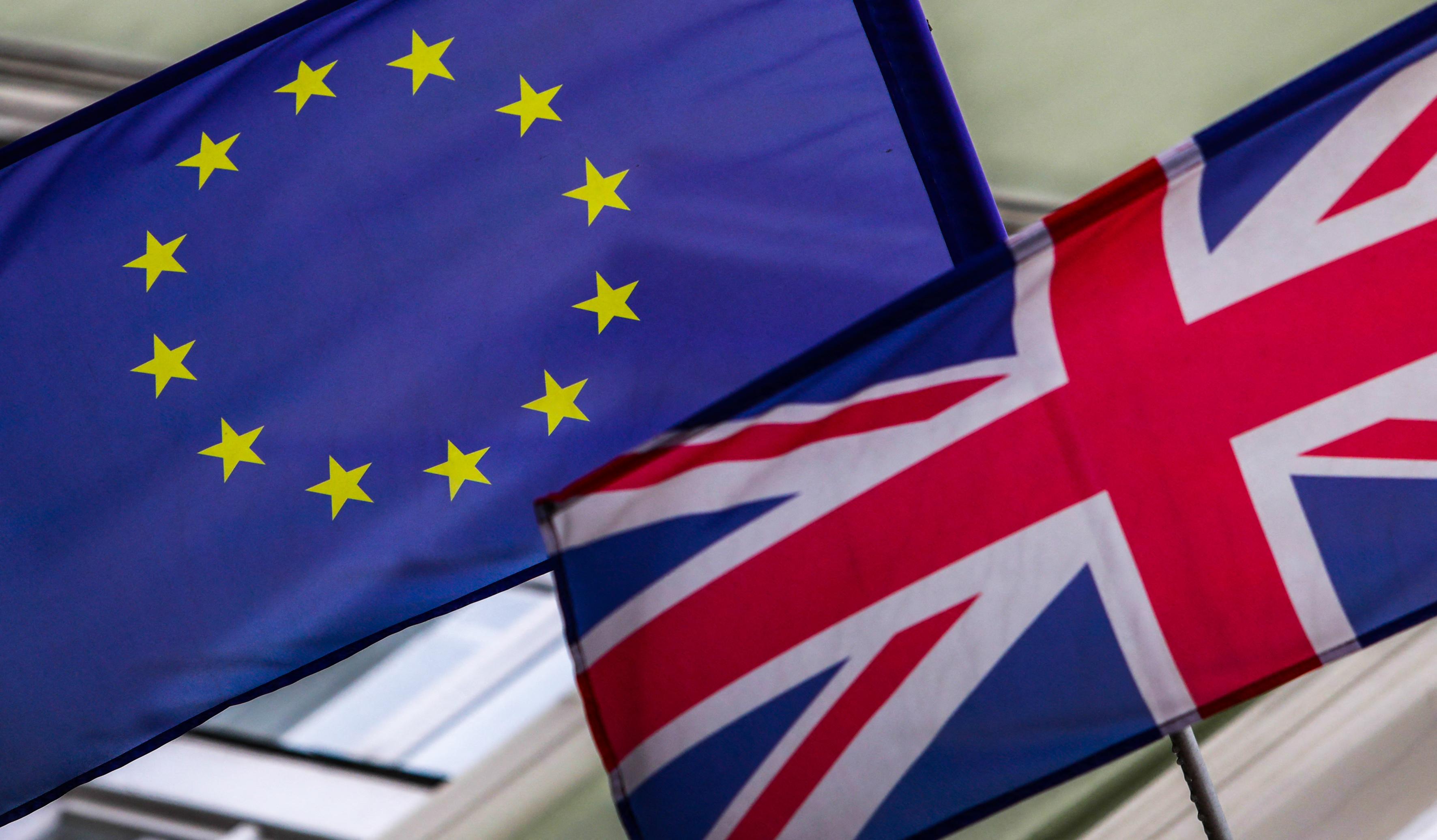 Június 30-ig kell benyújtani a Nagy-Britanniában élő EU-állampolgárok letelepedési kérelmét