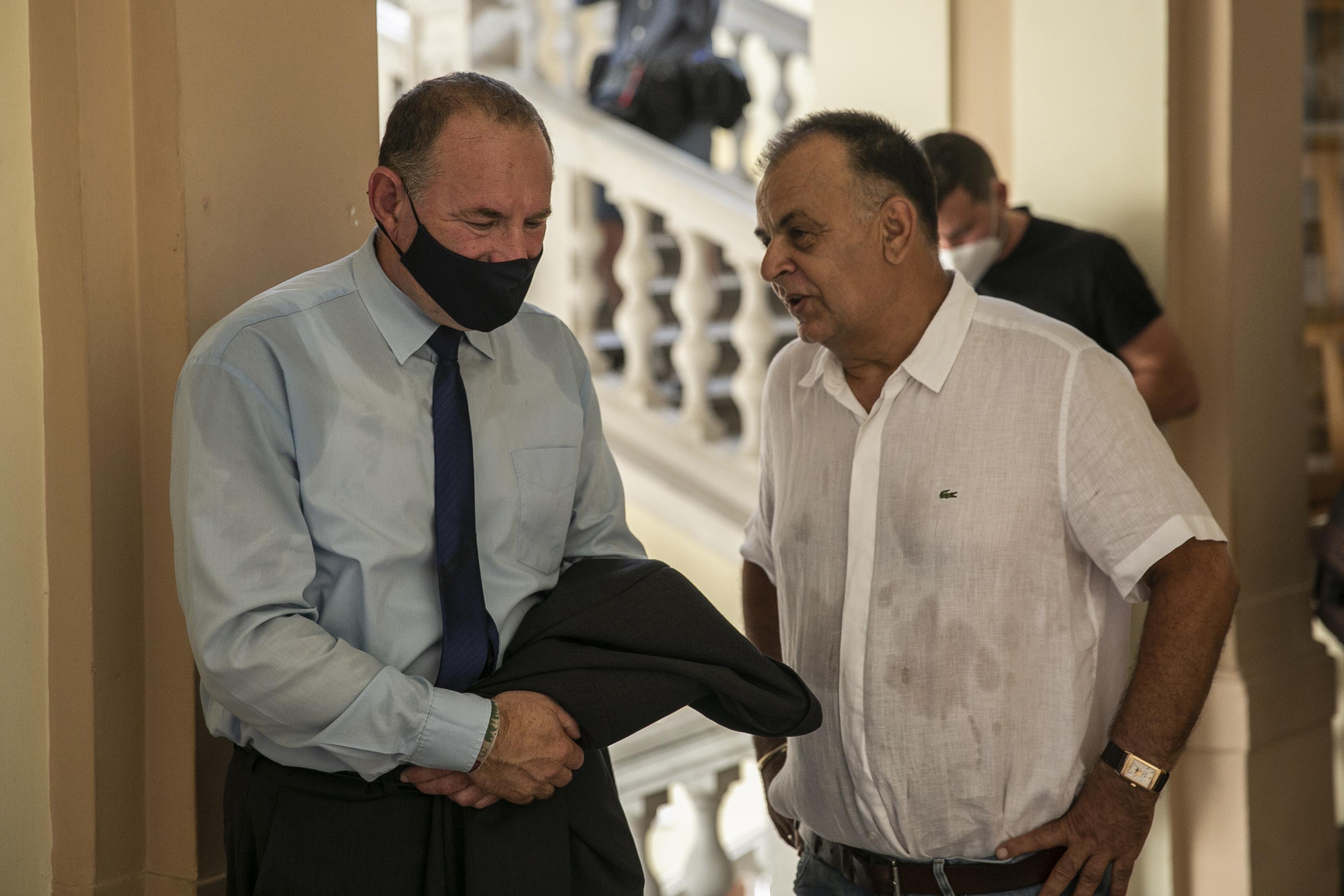 Boldog István emberei még a Jobbik polgármesterét is megkörnyékezték, hogy osszon vissza pénzt a fideszes jelölt kampányára