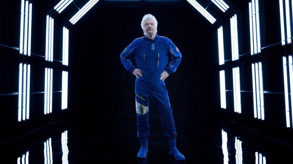Richard Branson csak azért is előbb akar felmenni a világűrbe, mint Jeff Bezos