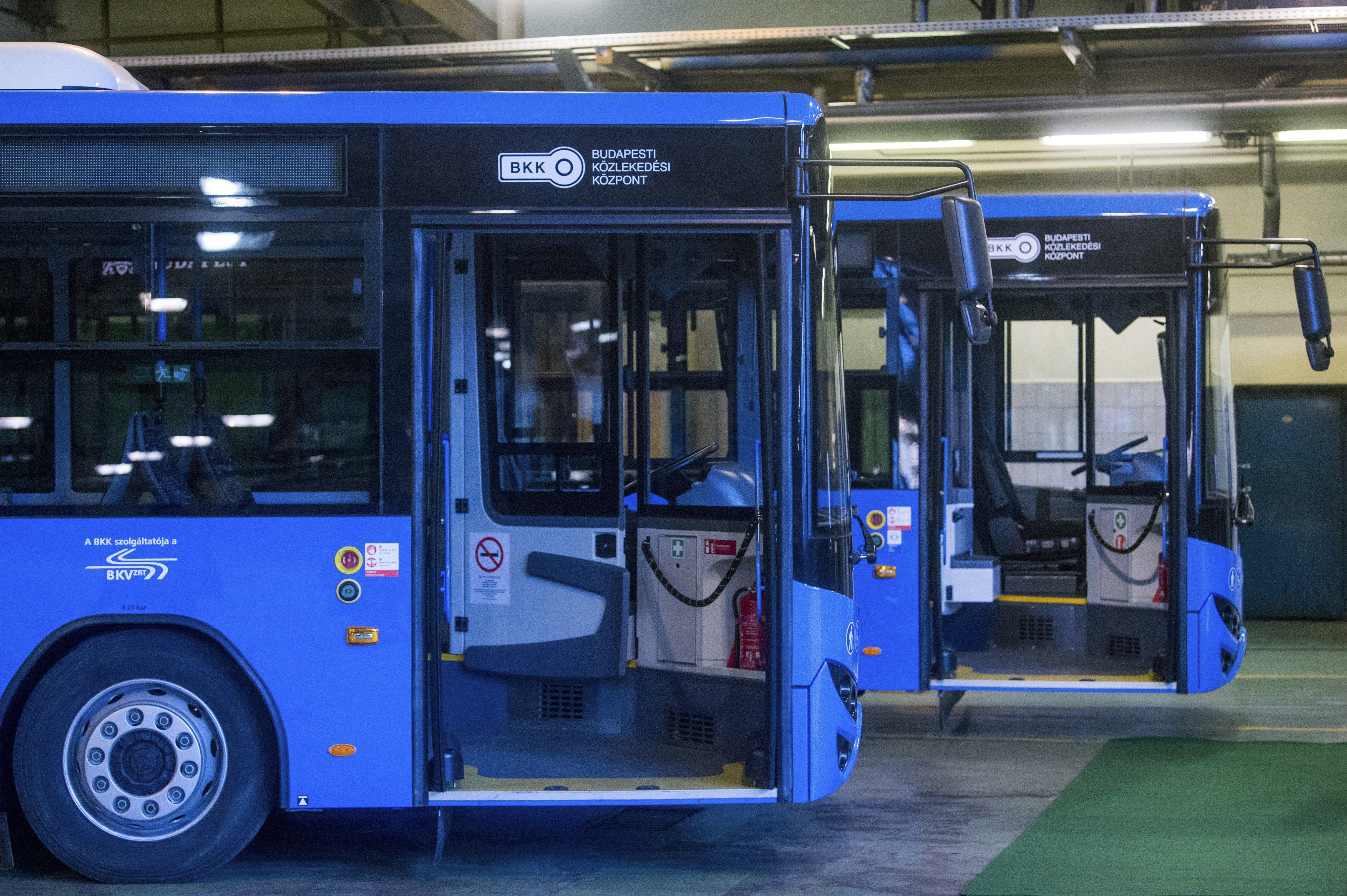 A BKV-buszok egy részét a kánikulában is fűteni kell, különben leállnának