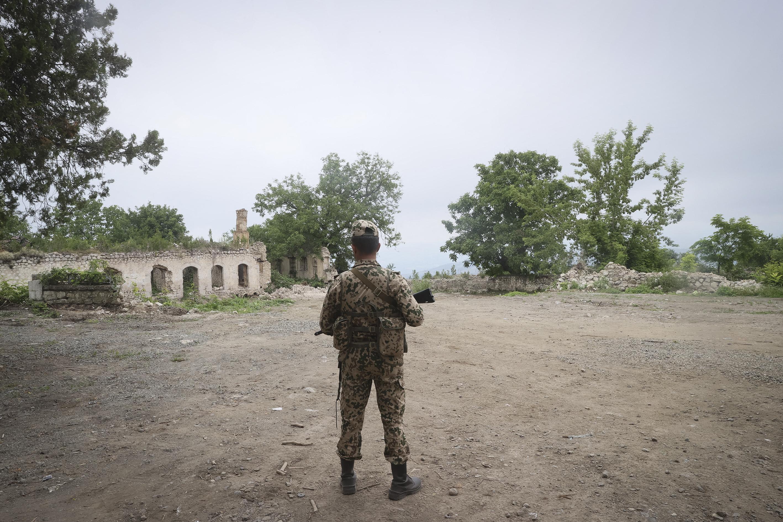 Az örmény hadsereg szerint azeri katonák tüzet nyitottak rájuk a határon