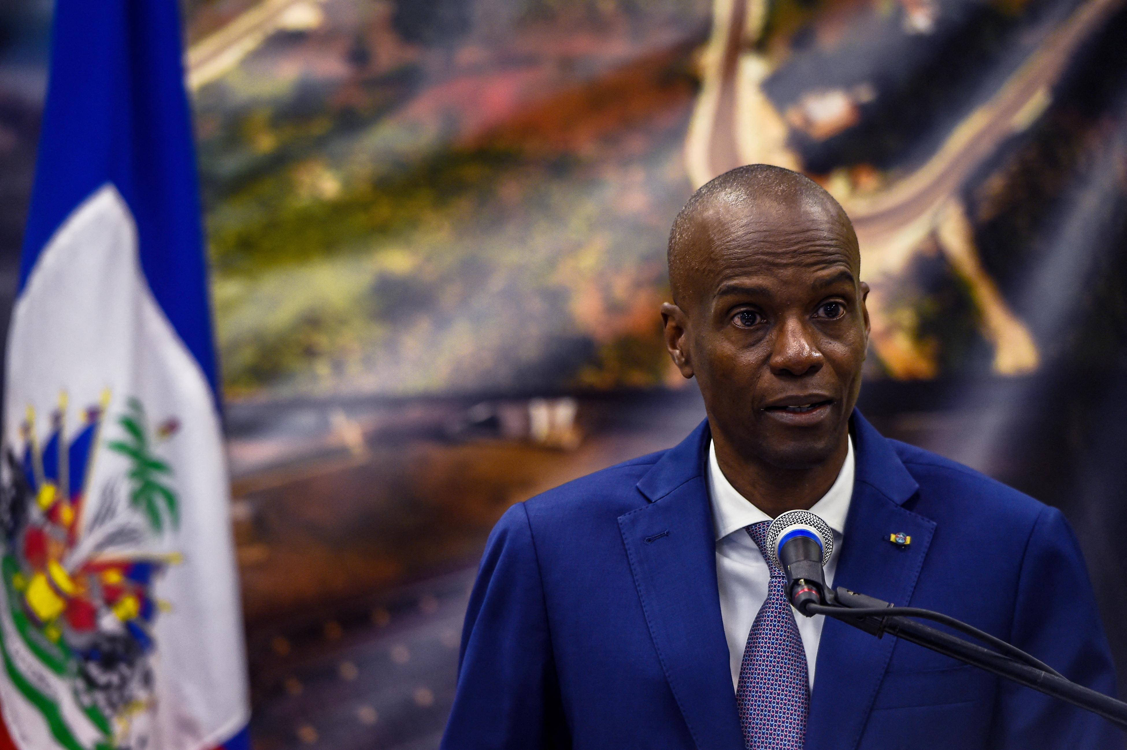 A haiti rendőrök tűzharc után elfogták az elnök elleni merénylettel gyanúsított zsoldosokat