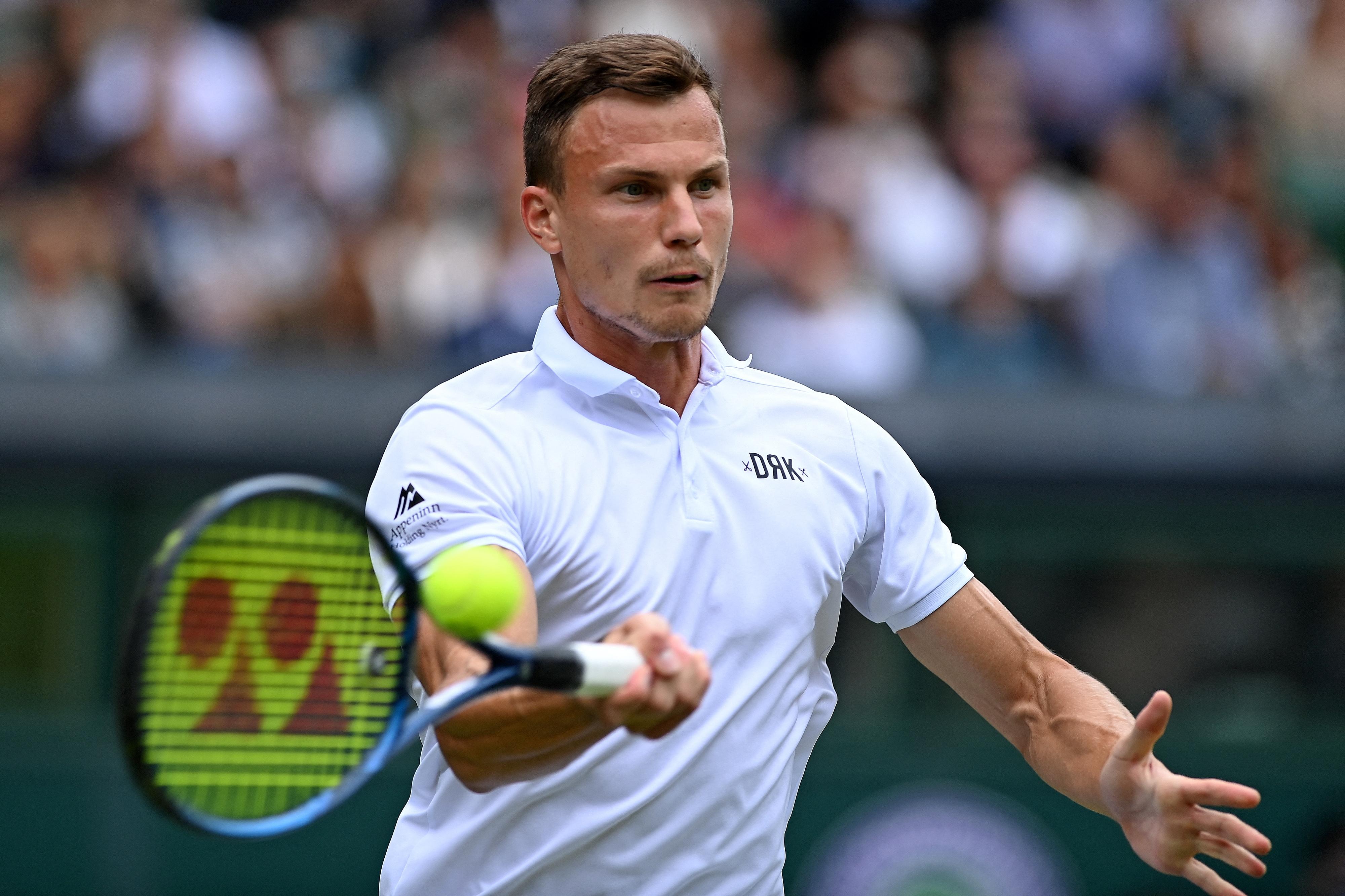 Djokovic simán kiejtette Wimbledonban Fucsovicsot