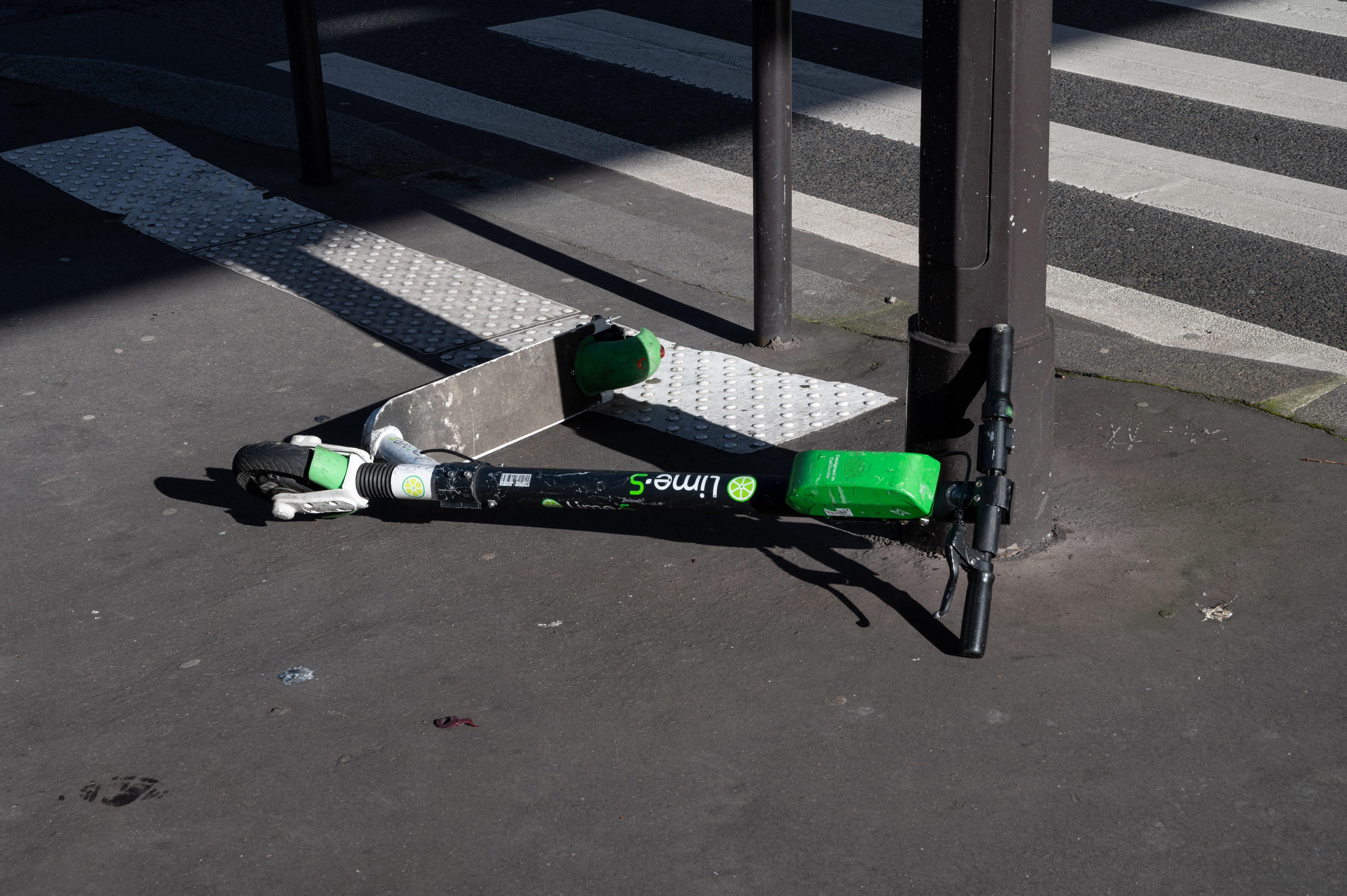 Kitiltották az elektromos rollereket Székesfehérvár sétálóutcáiról