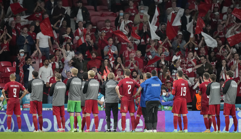 Köpködték, anyázták, bántalmazták a dán szurkolókat Londonban az Eb-elődöntő alatt és után