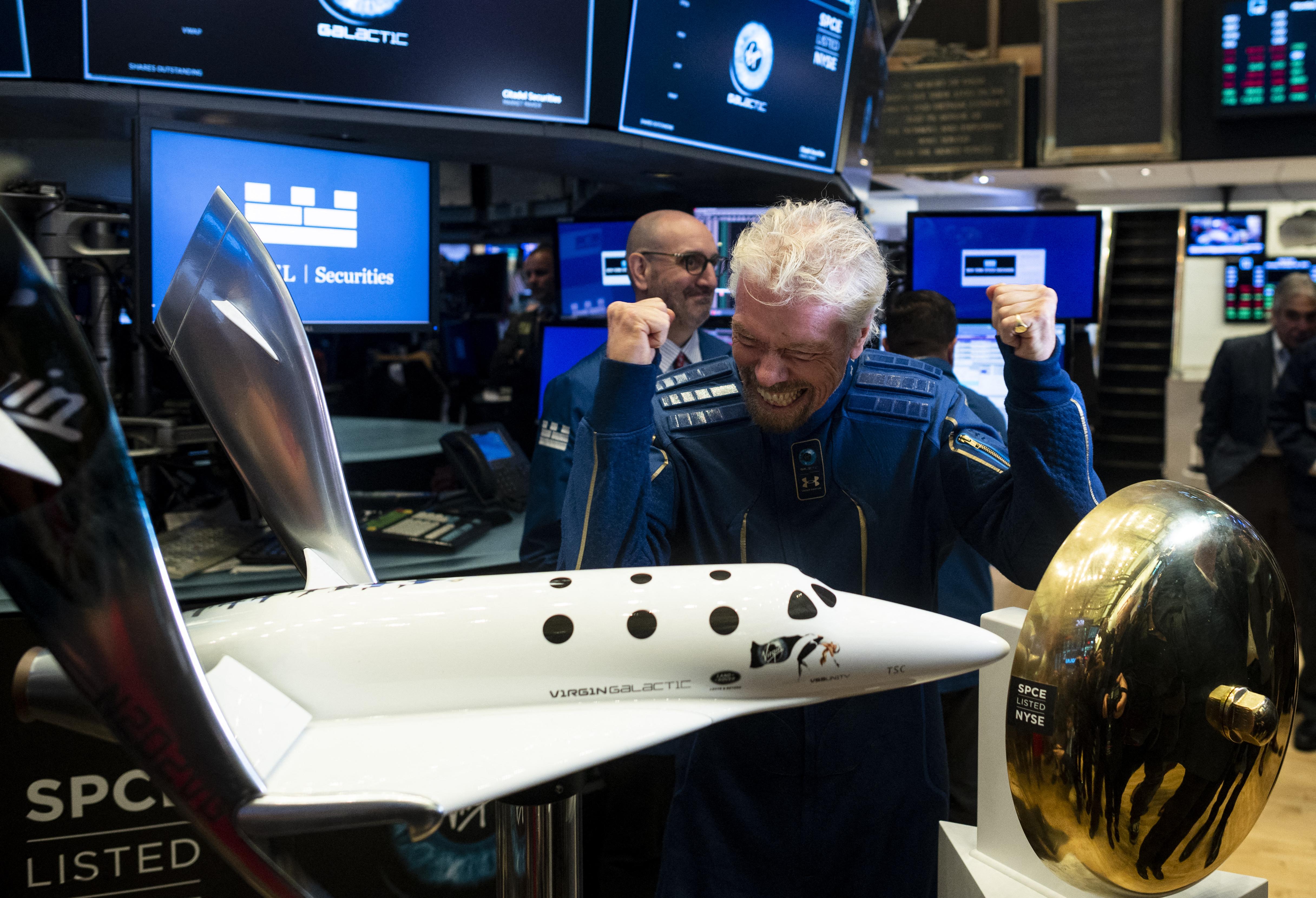 Richard Branson gépe elindult a világűr pereme felé