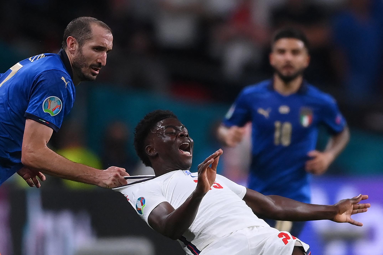 Akcióba lépett a Twitter az Eb-döntőn büntetőt kihagyó angol játékosok online gyalázása miatt