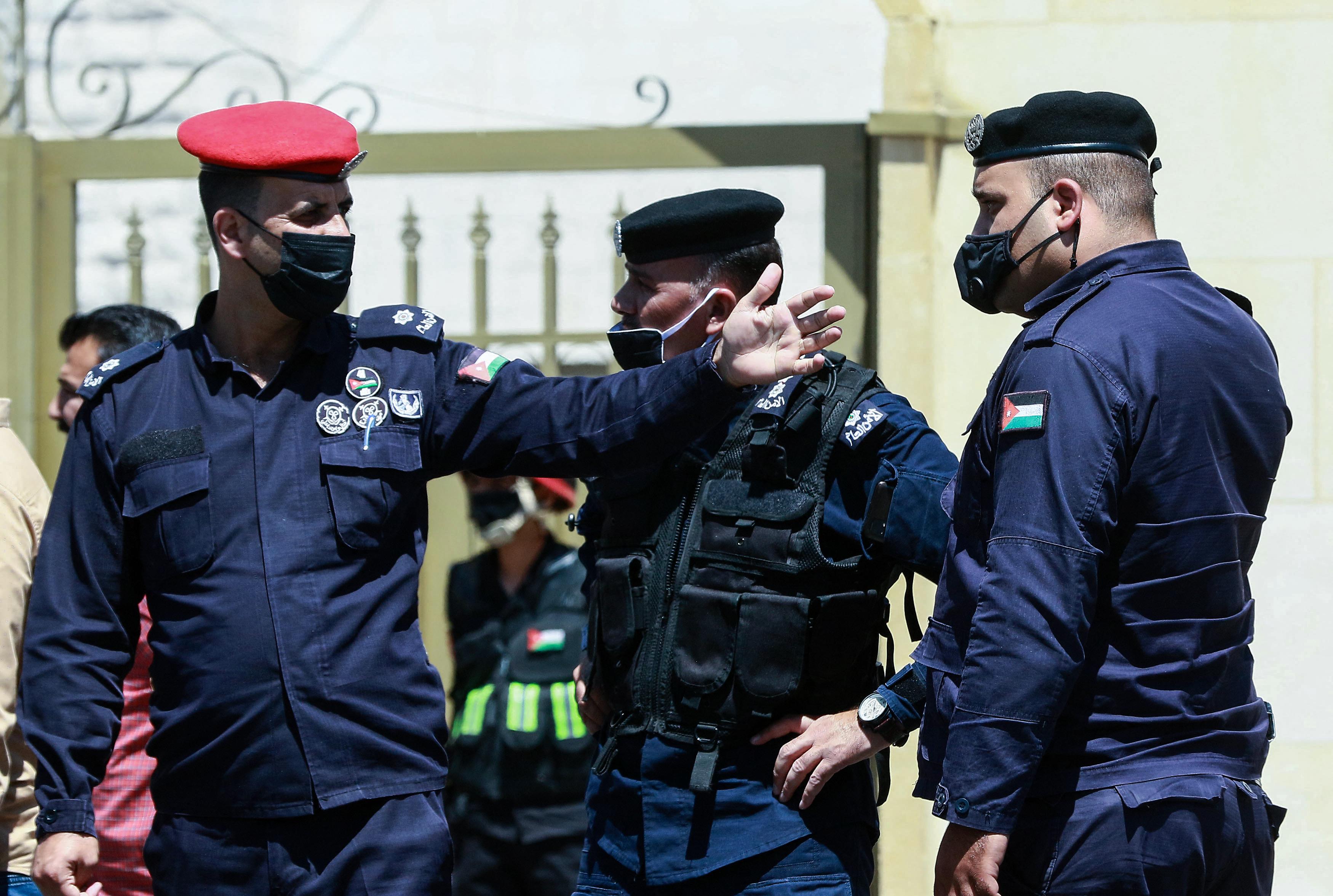 Zendülés miatt a királyi udvar korábbi vezetőjét 15 év börtönre ítélték Jordániában