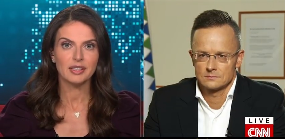 Szijjártónak remekül jött a CNN-ben, hogy a Jobbik is megszavazta a homofóbtörvényt