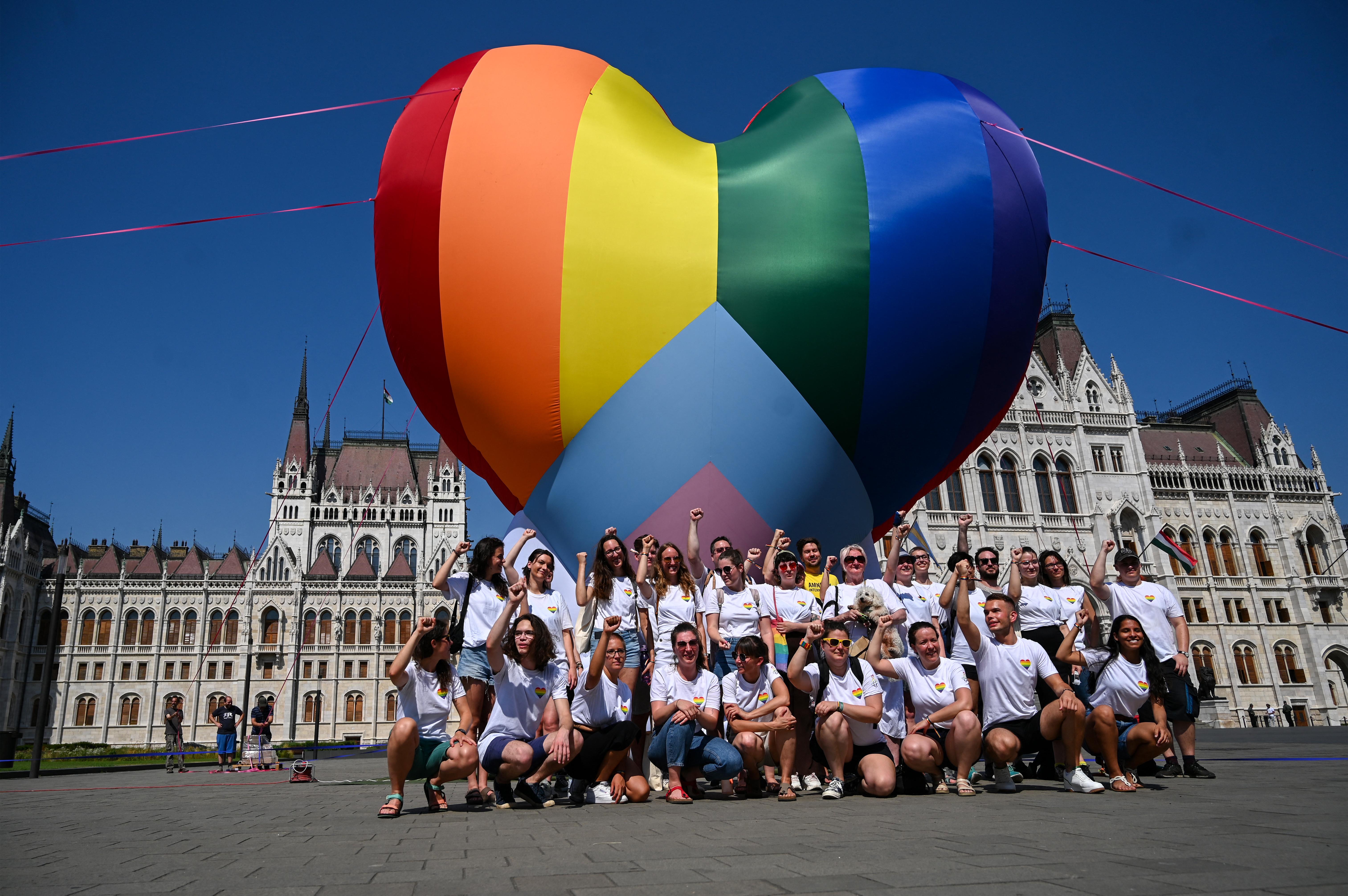 A magyarok többsége elfogadó a melegekkel szemben