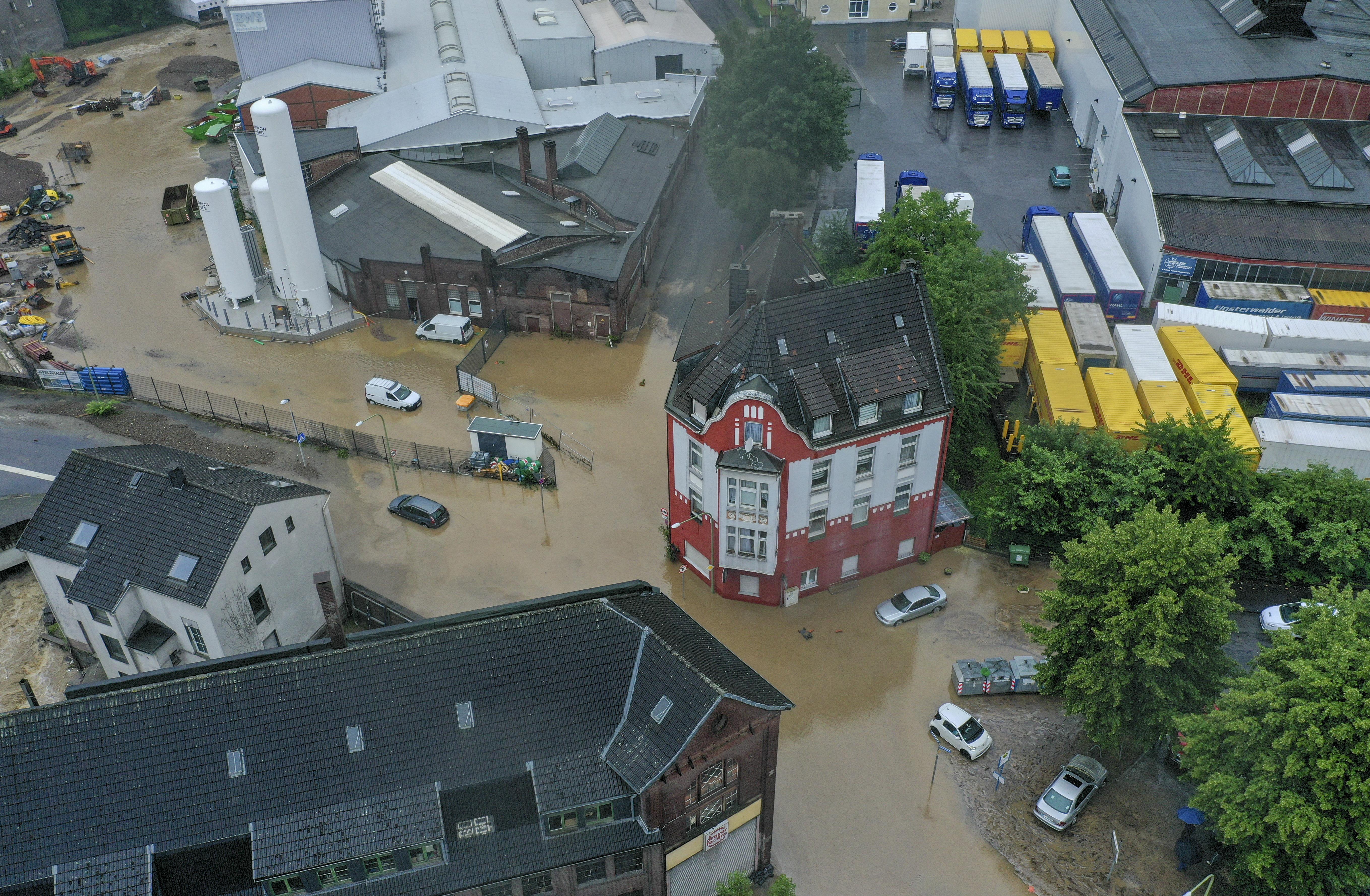 Többen is eltűntek, miután házak omlottak össze Németországban a heves esőzések miatt
