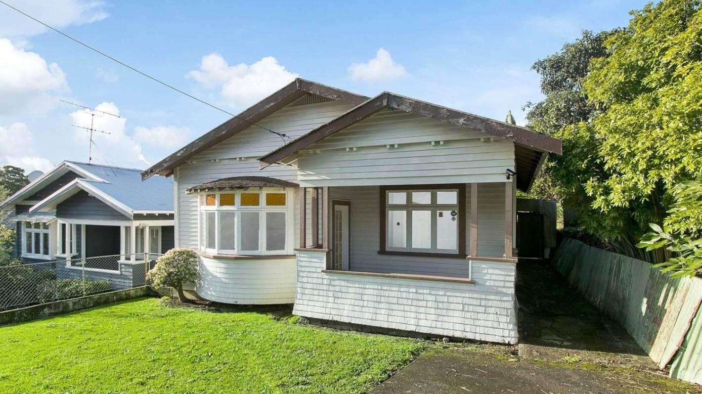 2 millió dollárért kelt el egy lepukkant új-zélandi ház, amiben még WC sincs