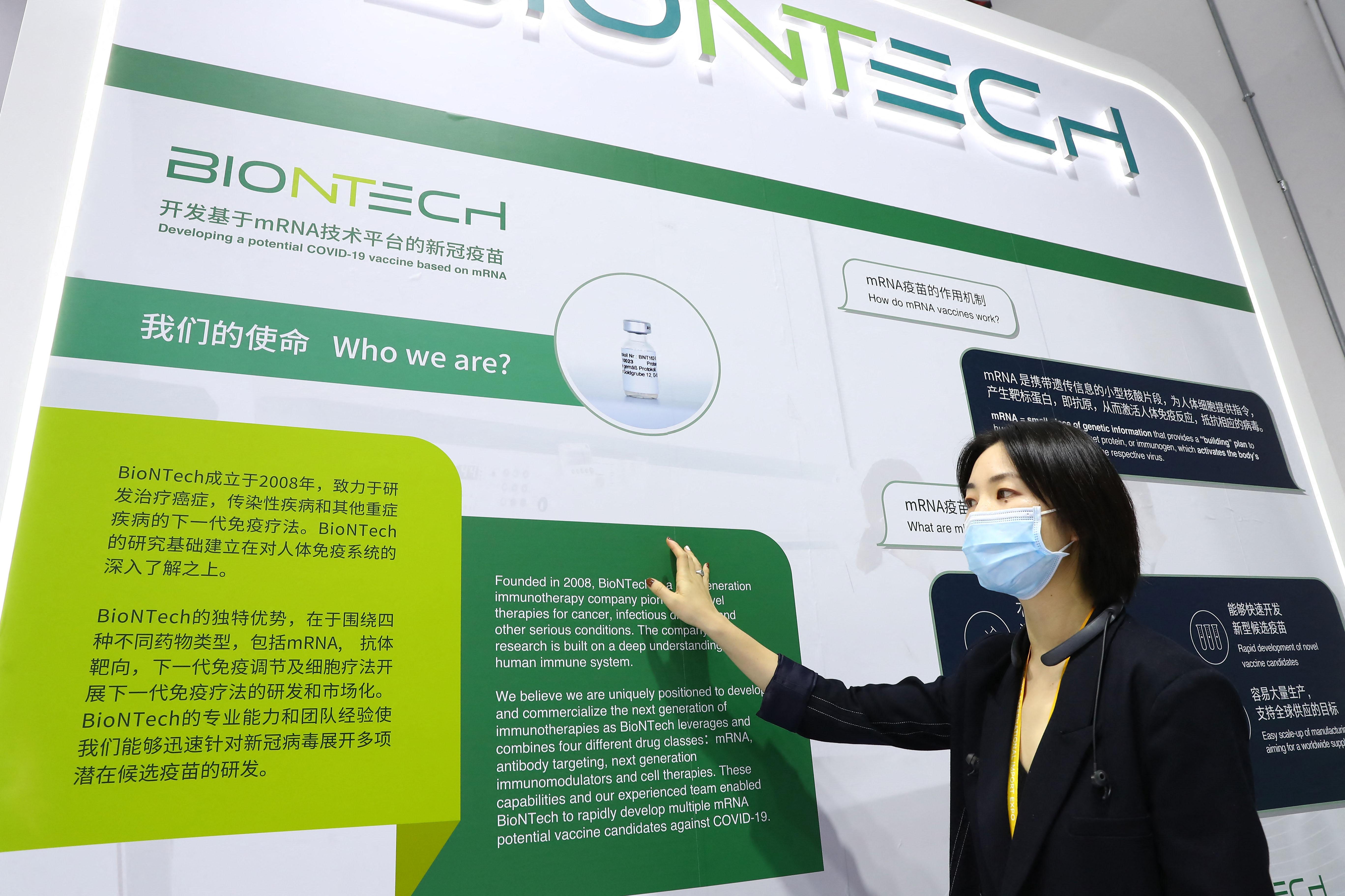 Kínában egy BioNTech-kel közösen fejlesztett mRNS-vakcinát tesztelnek, amit ismétlő oltásnak szánnak