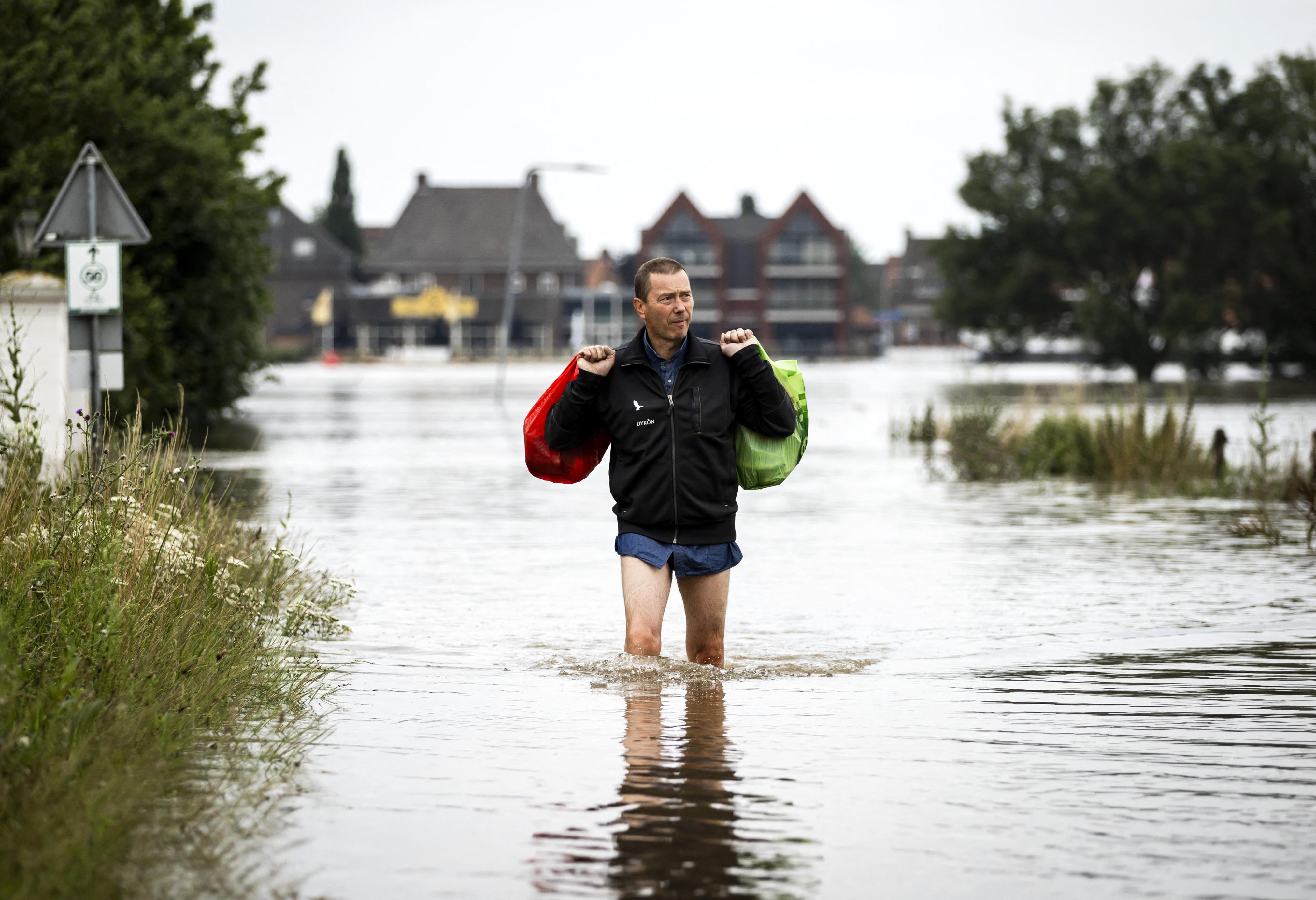 Már több mint százan vesztették életüket Belgiumban és Németországban az áradások miatt